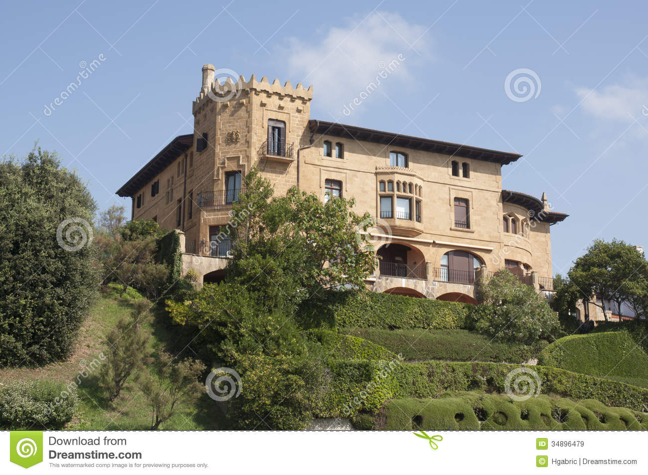 Castle look a like house in getxo bilbao spain royalty for Houses that look like castles