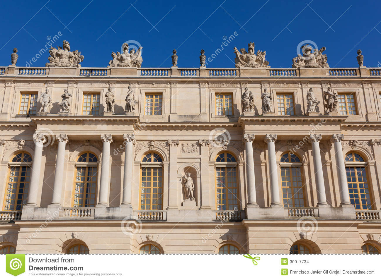 Castle of versailles yvelines stock images image 30017734 for Versailles yvelines