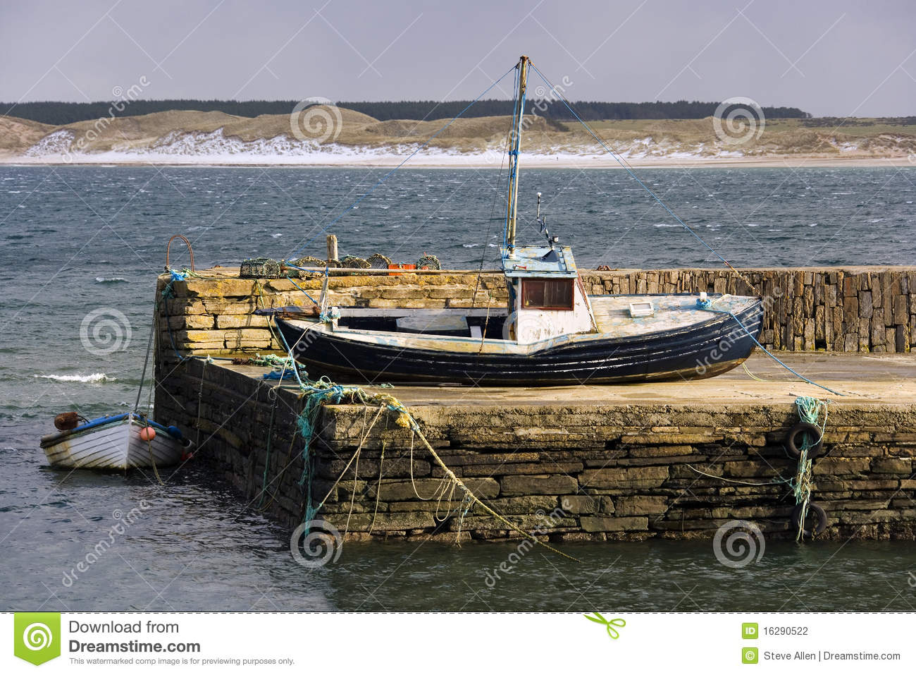 Castletown United Kingdom  city photo : Castletown Harbor near Dunnet Head in Northern Scotland in the United ...