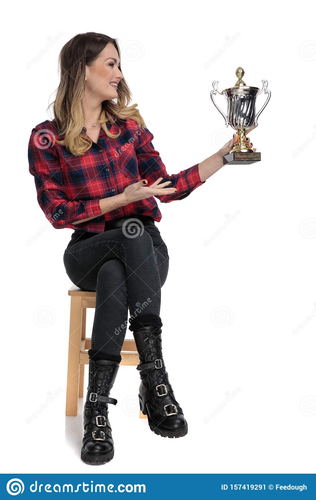 Casual woman presenting her cup