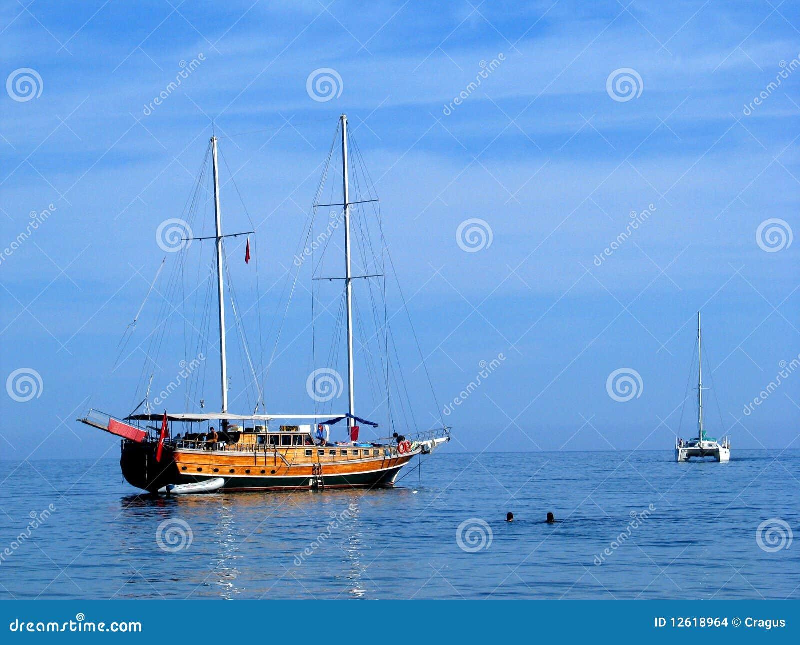 Catamarã e gulet