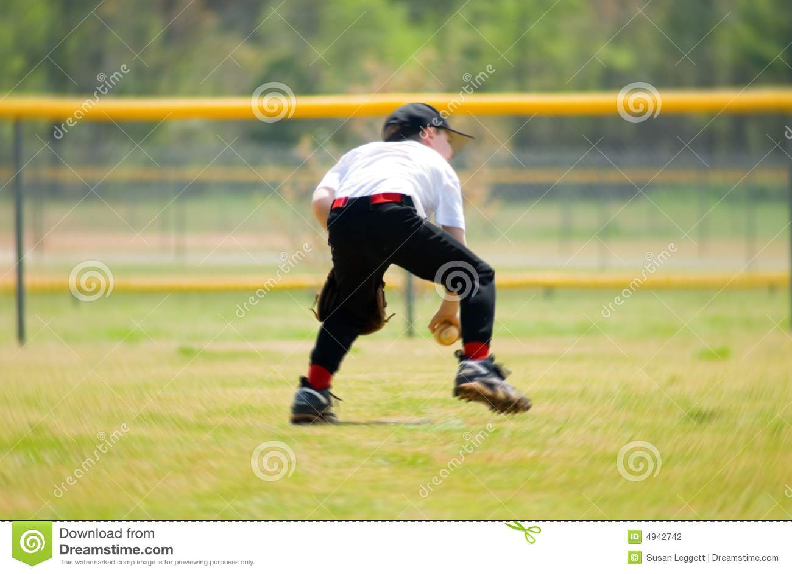 Catching Ground Ball/Blur