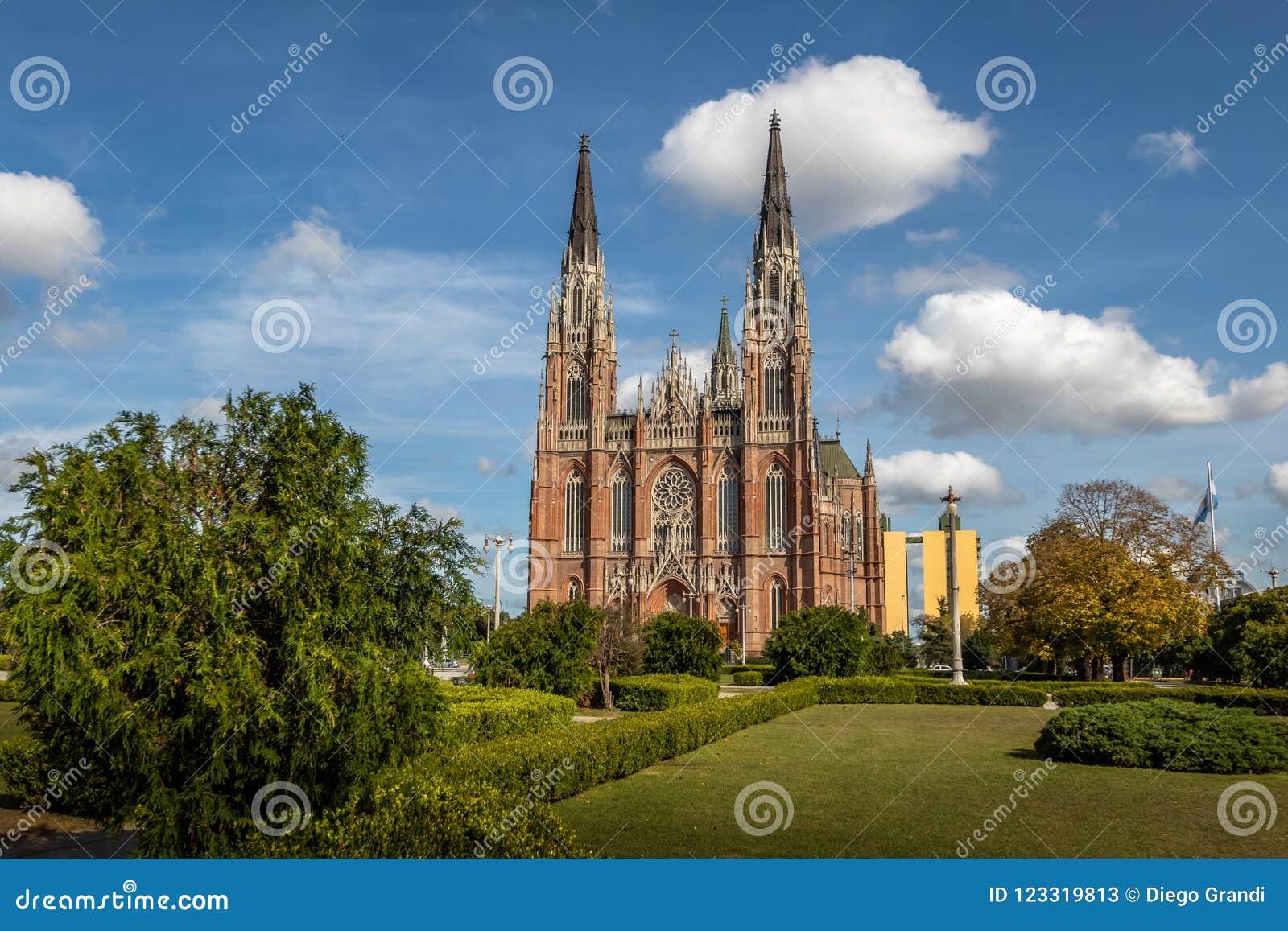 Catedral de Plata do La e plaza Moreno - La Plata, província de Buenos Aires, Argentina