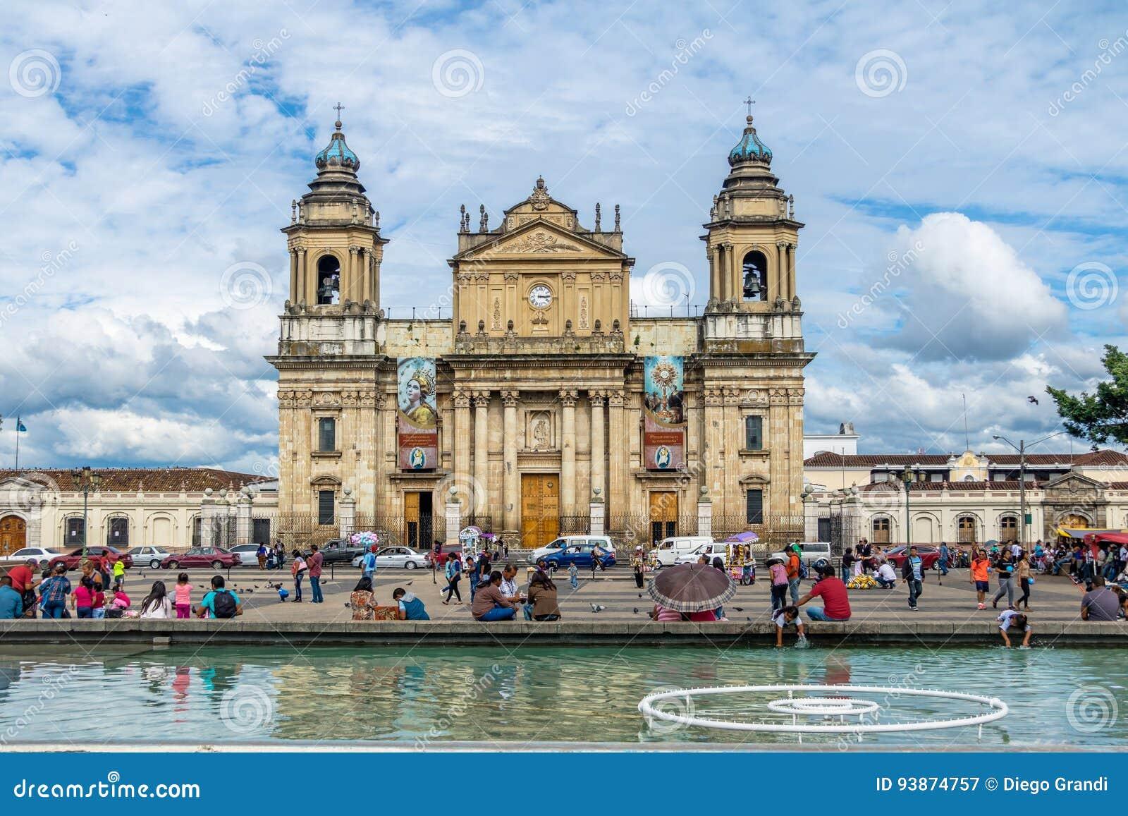 Catedral metropolitana de ciudad de Guatemala en el cuadrado ciudad de Guatemala, Guatemala de Plaza de la Constitucion Constitut