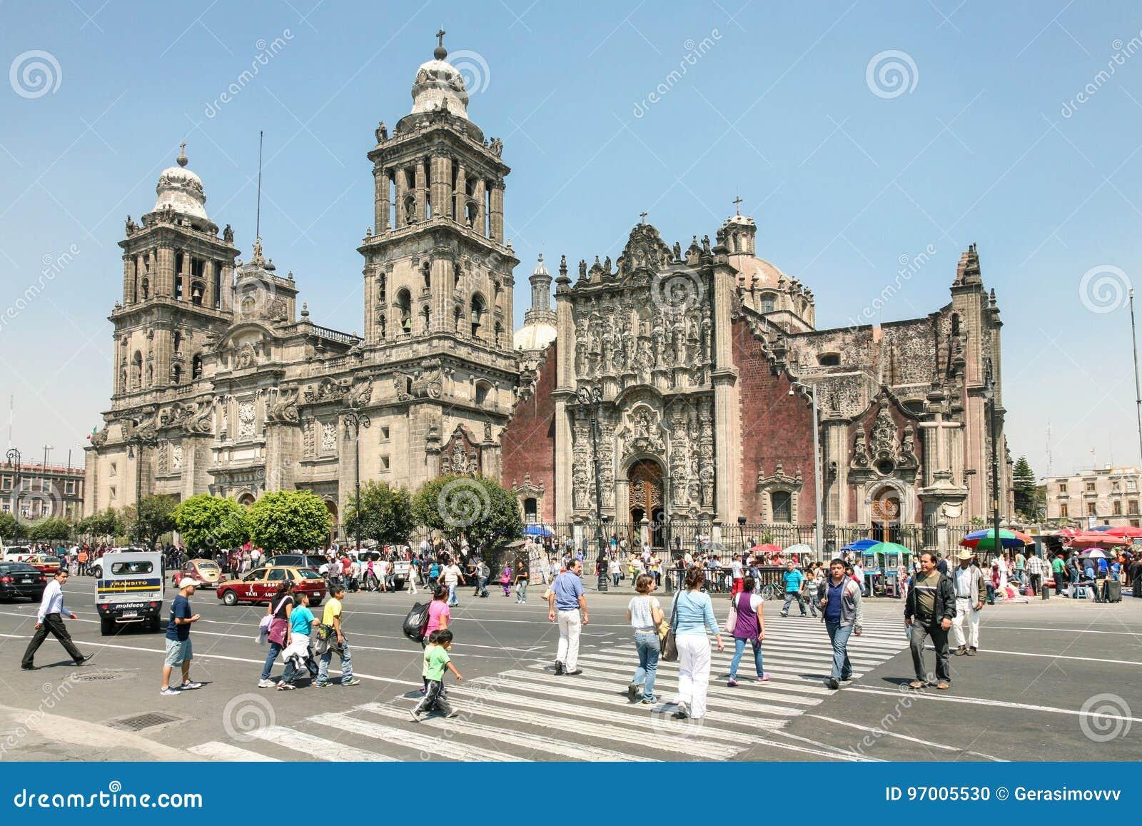 Catedral Metropolitana en el centro de Ciudad de México