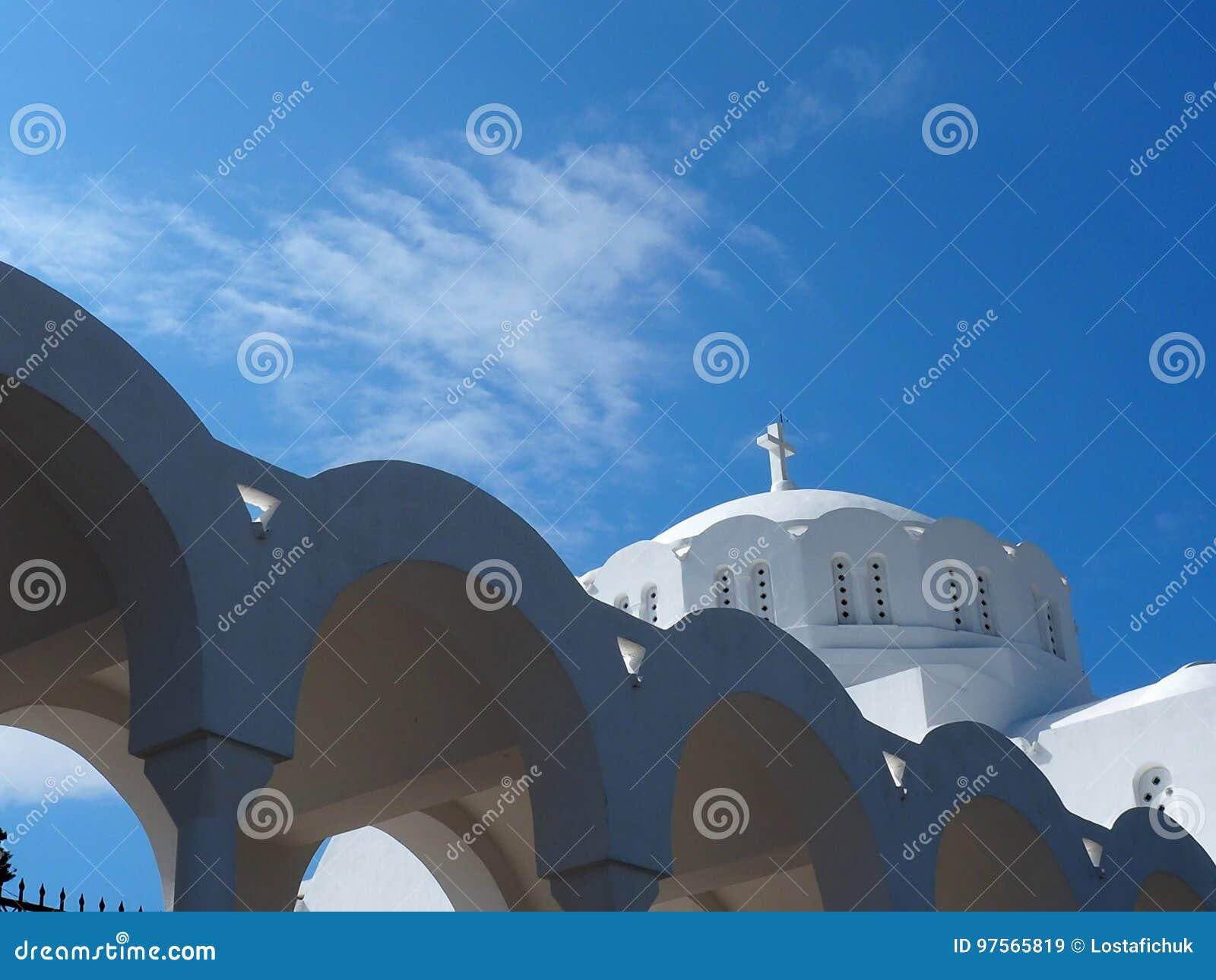 Catedral metropolitana ortodoxa en Fira Santorini Grecia