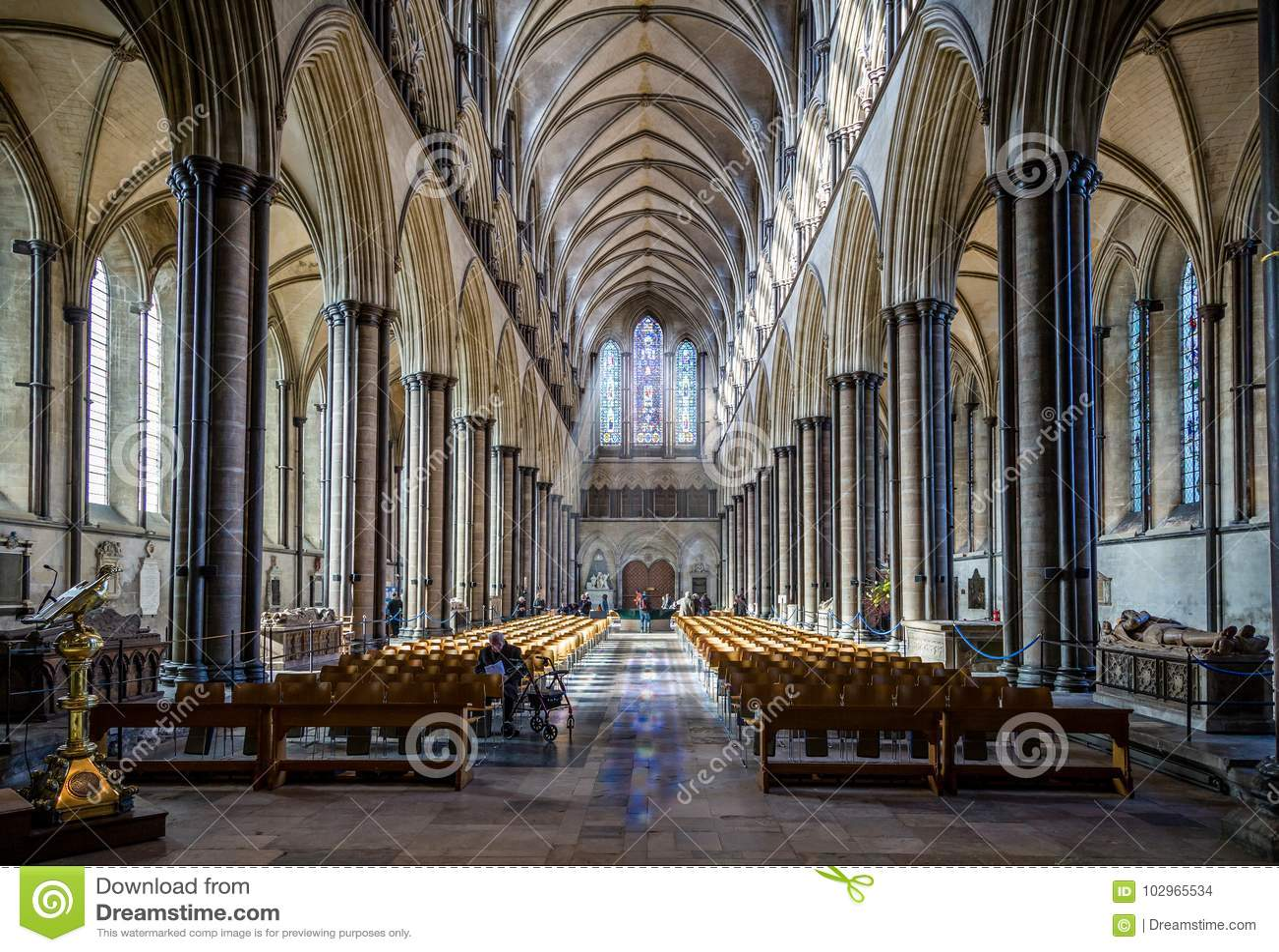 Catedral salão principal Salisbúria recolhido de Salisbúria, Wiltshire