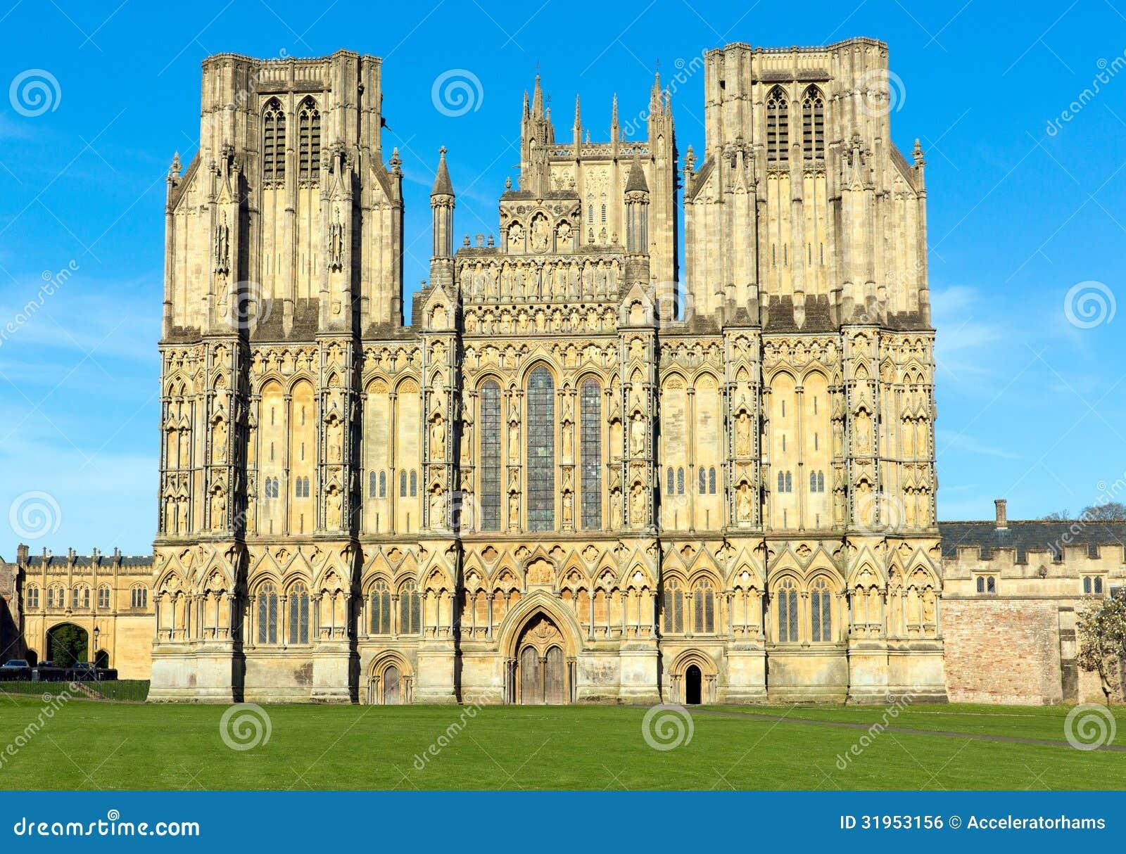 Baños Romanos En Inglaterra: de archivo libre de regalías: Catedral Somerset, Inglaterra de Wells