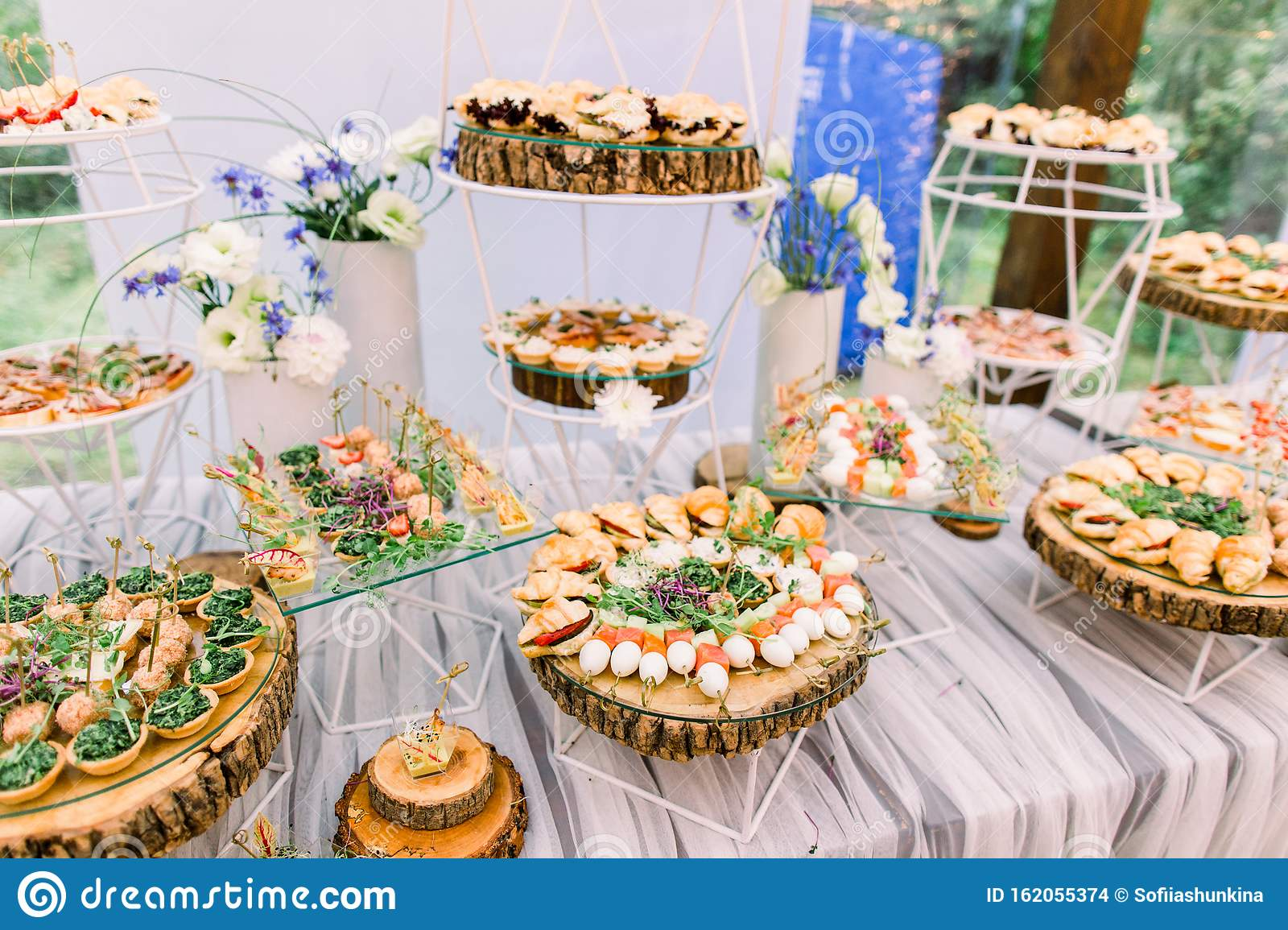Catering Buffet And Rustic Decor, Outdoor Wedding Party ...