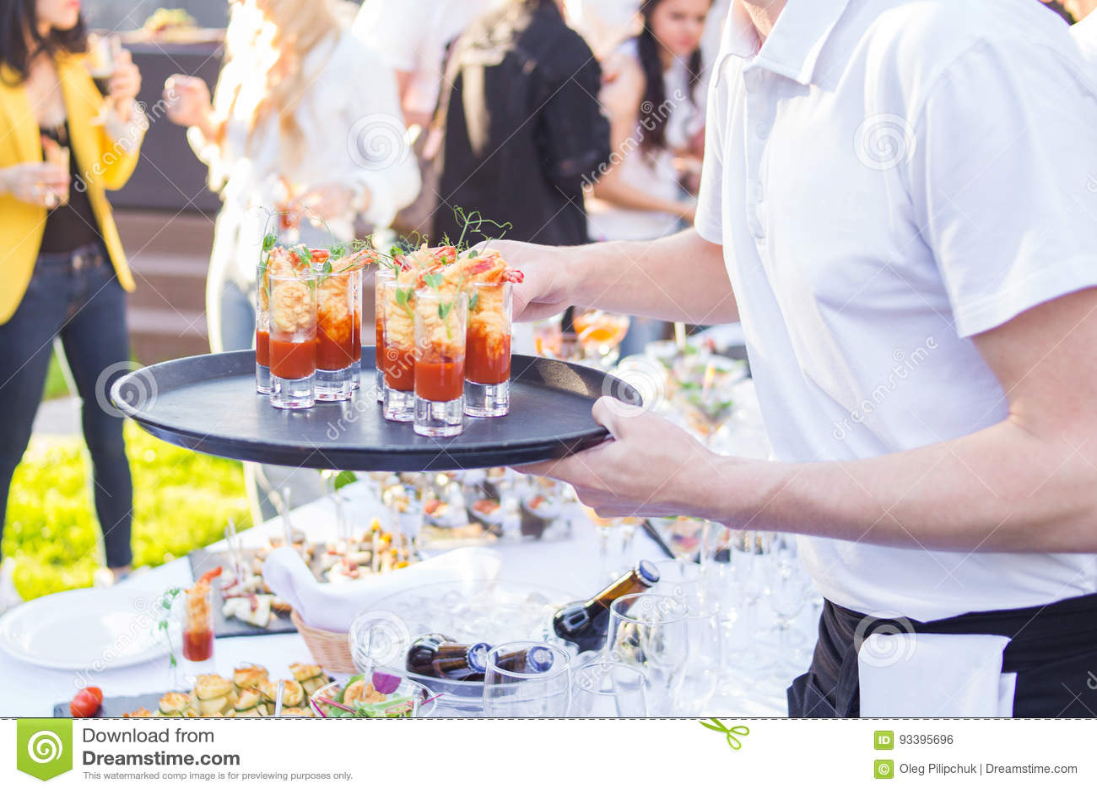 Catering jest outside na wydarzeniu