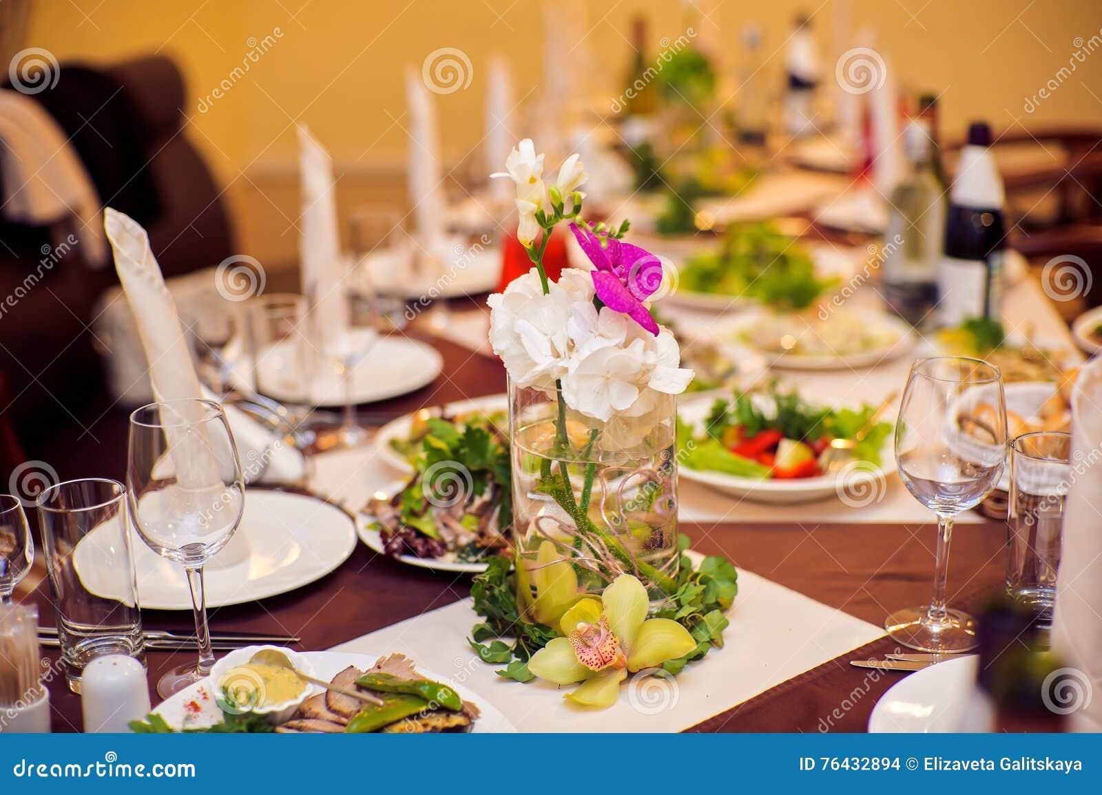 Dinner table with food - Dinner Food Restaurant Table