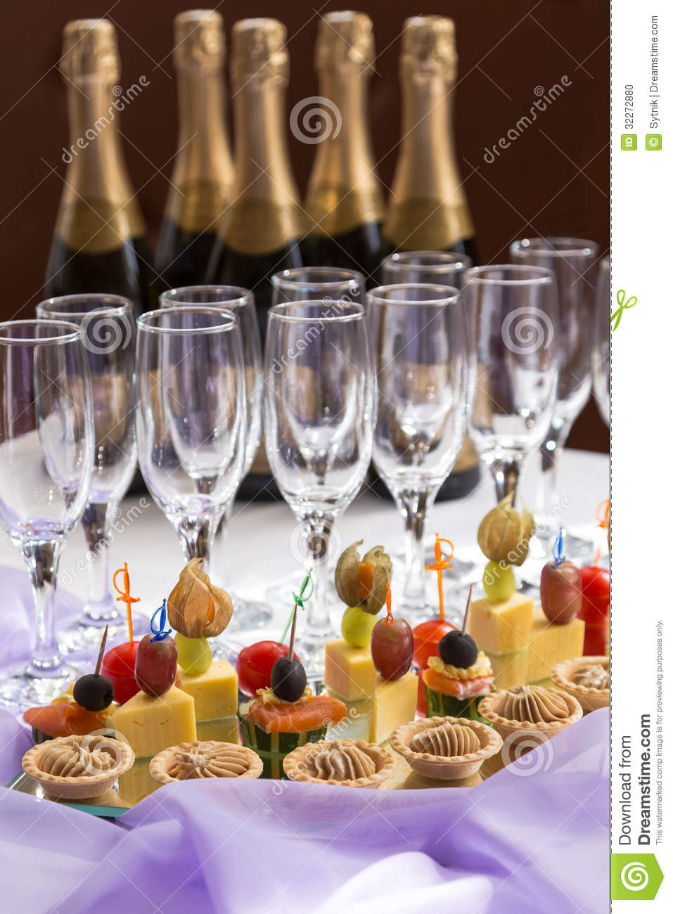 Catering serving buffet with canape and champagne stock for Canape reception