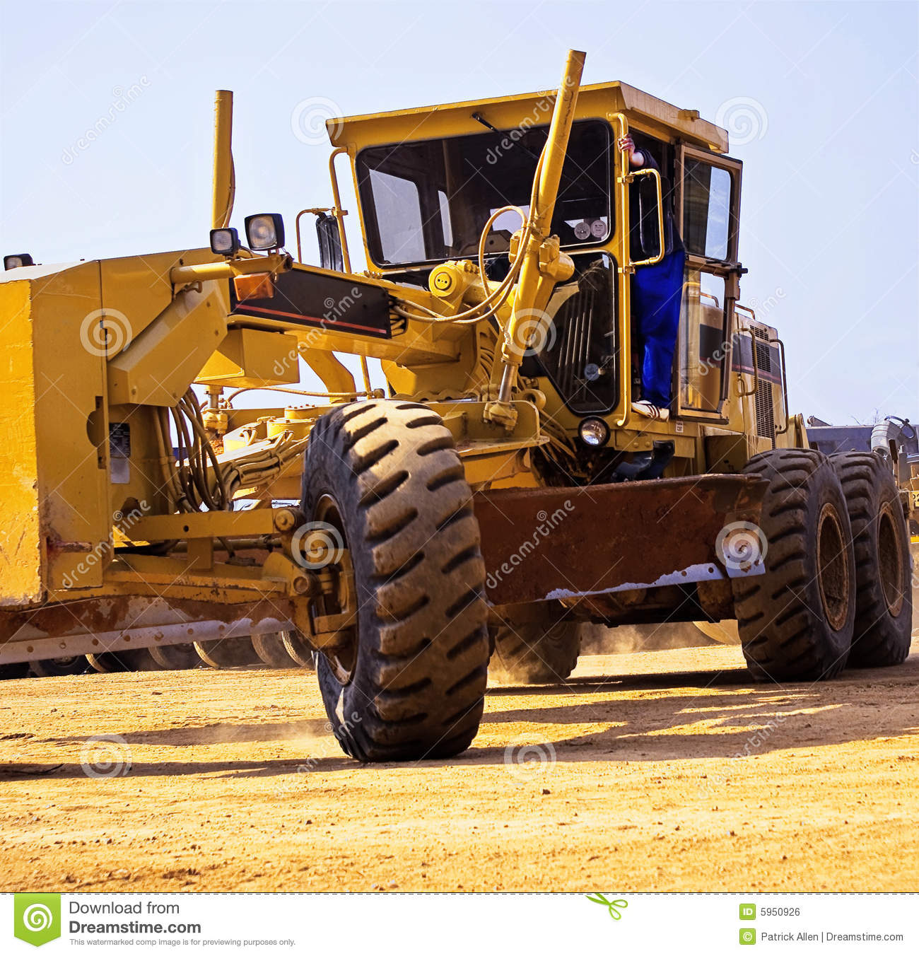 Caterpillar 140H - Turning
