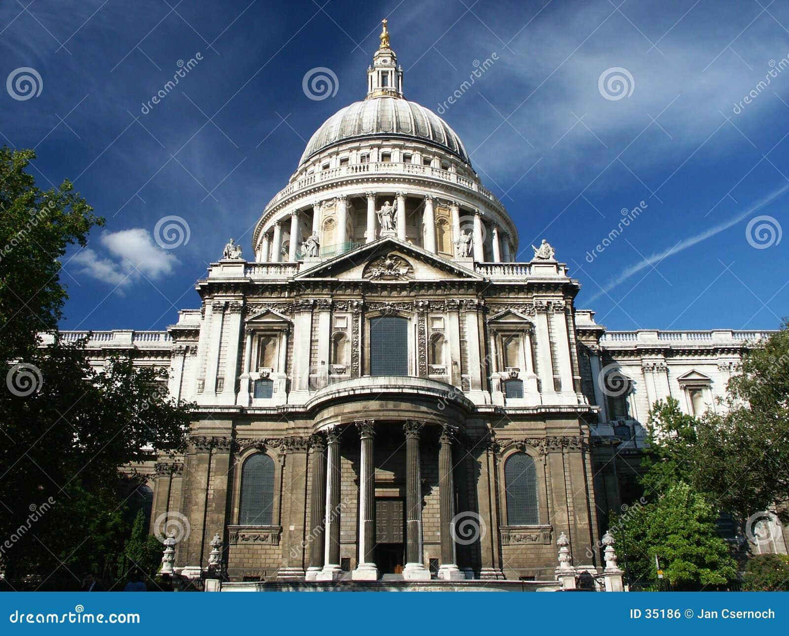 Cathédrale de rue Paul à Londres