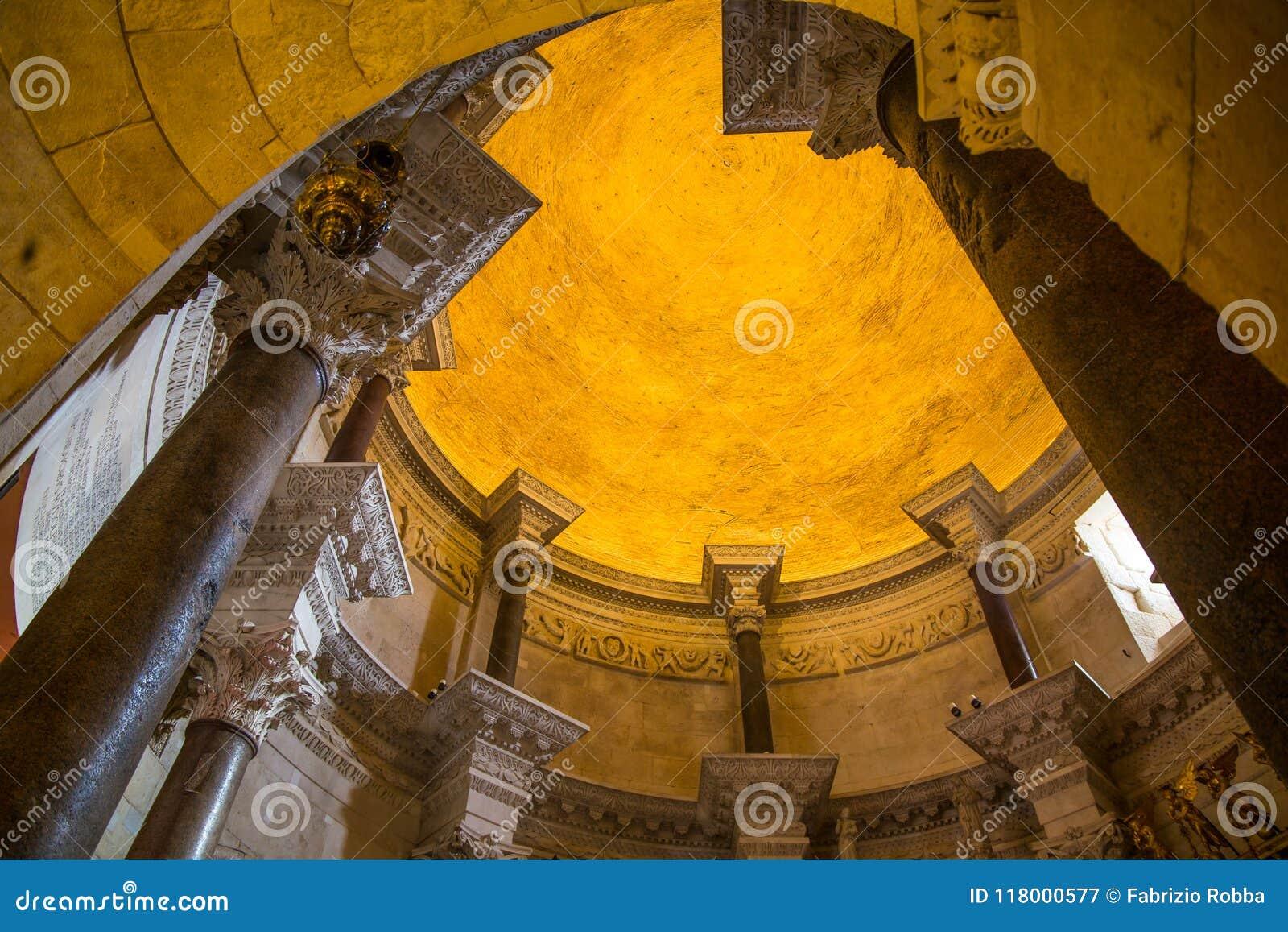 Cathédrale de saint Domnius et de palais de Diocletian dans la fente, Dalmatie, Croatie