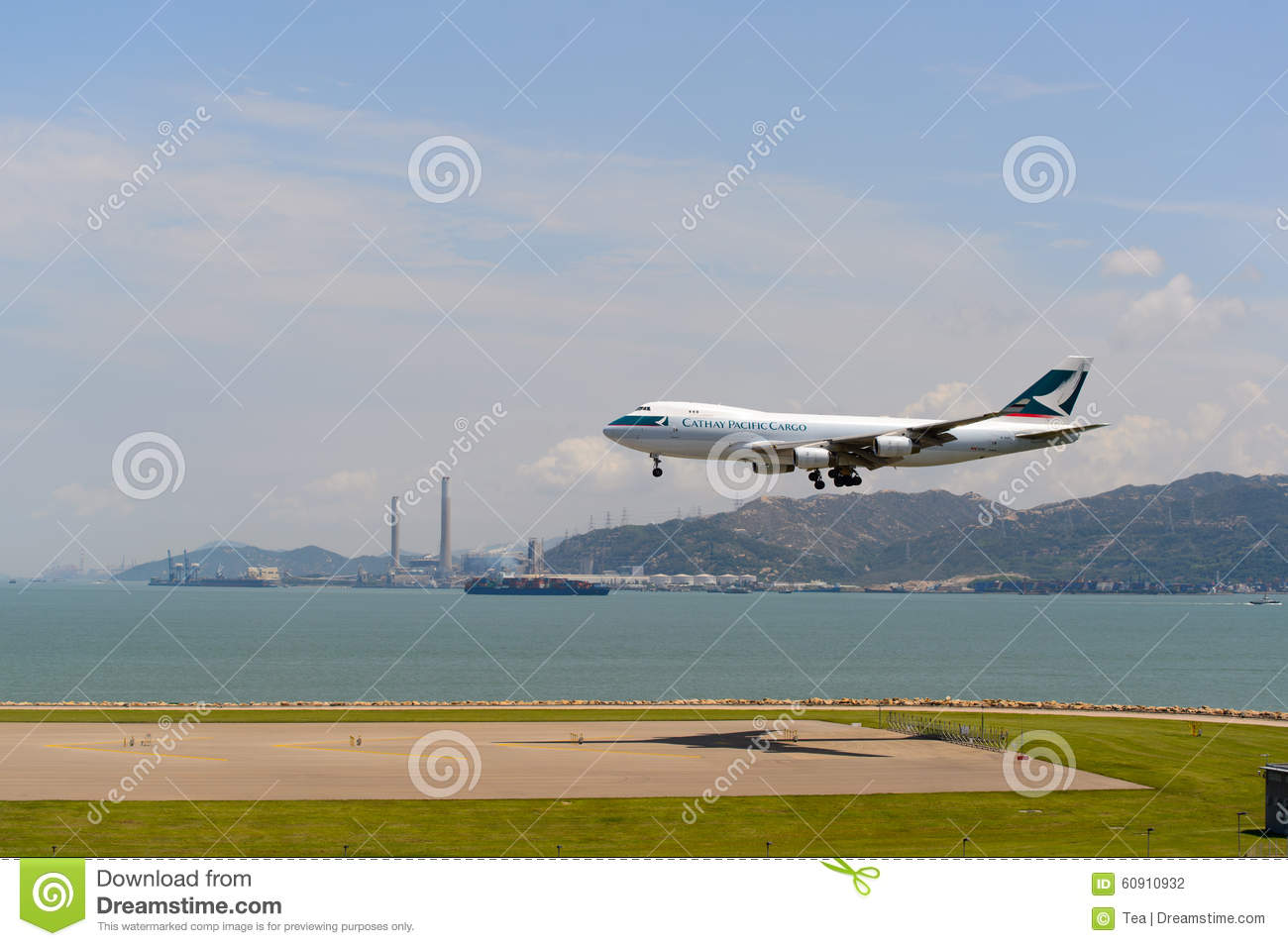 Cathay pacific aircraft in kansai international airport editorial photo - Cathay pacific head office ...