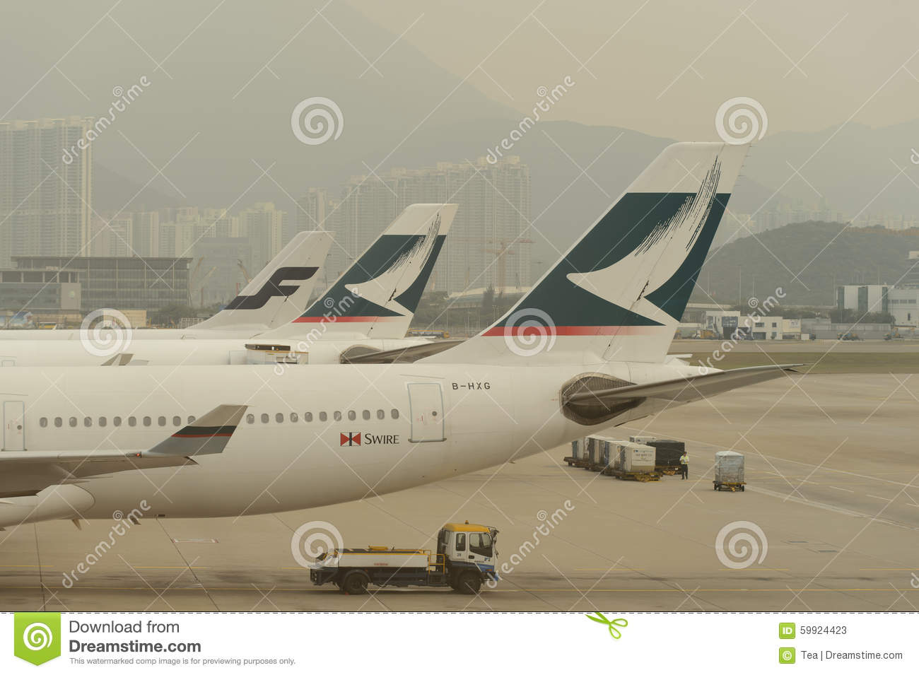 Cathay pacific aircraft near boarding bridge editorial stock photo image 59924423 - Cathay pacific head office ...