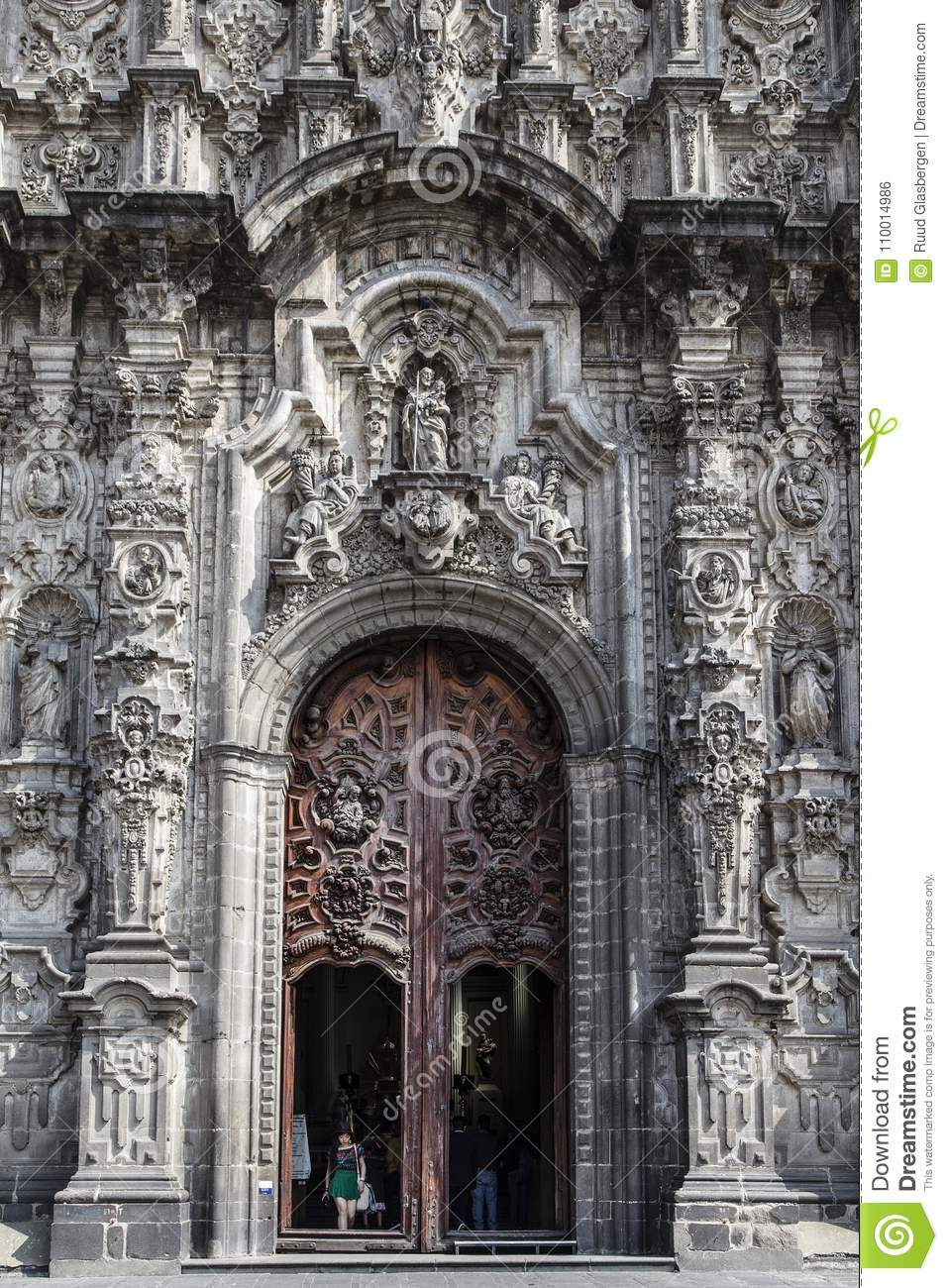 what is baroque architecture