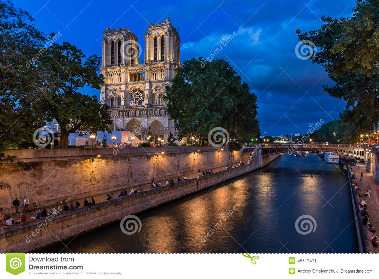 a description of the notre dame de paris a large cathedral church From gothic cathedrals to modern churches by contemporary architects, a big  part of french culture can be found in its religious structures on your  france's  most famous cathedral is the notre dame de paris, which was.