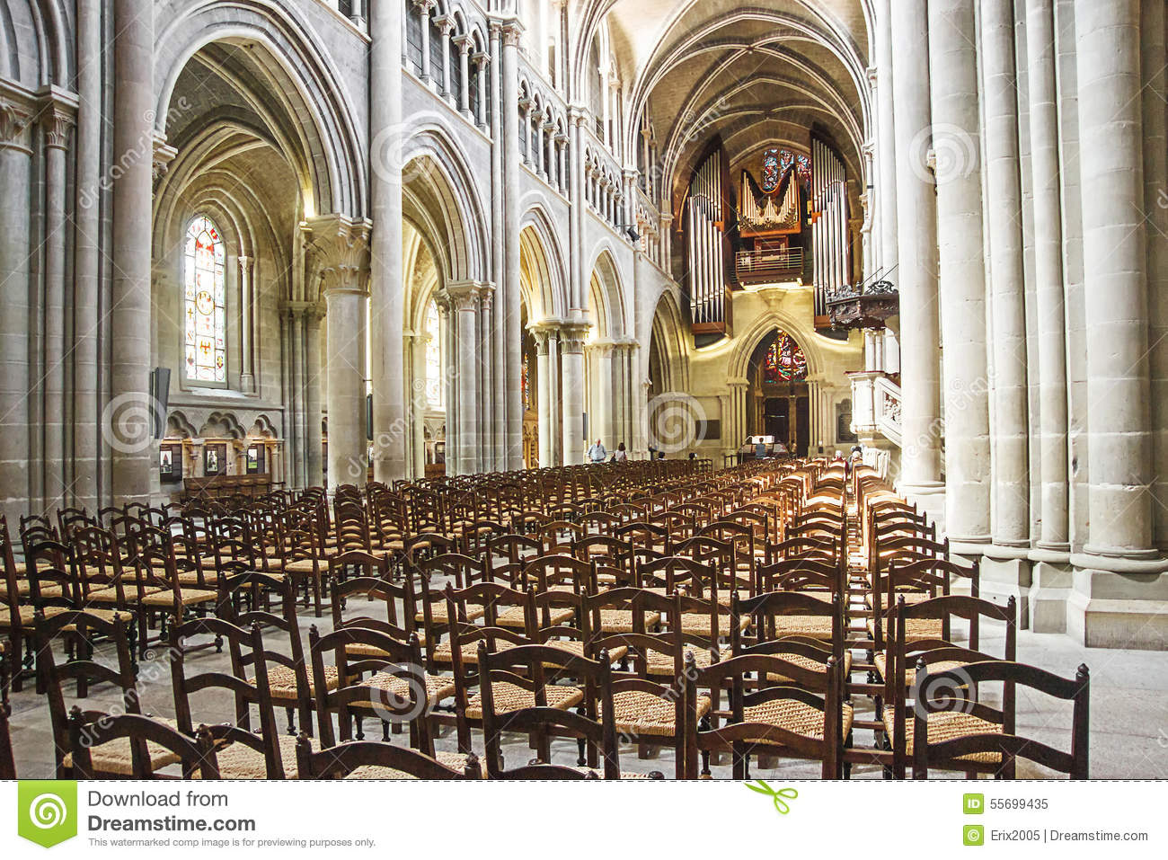 The cathedral of notre dame lausanne hall interior stock for Interieur messe