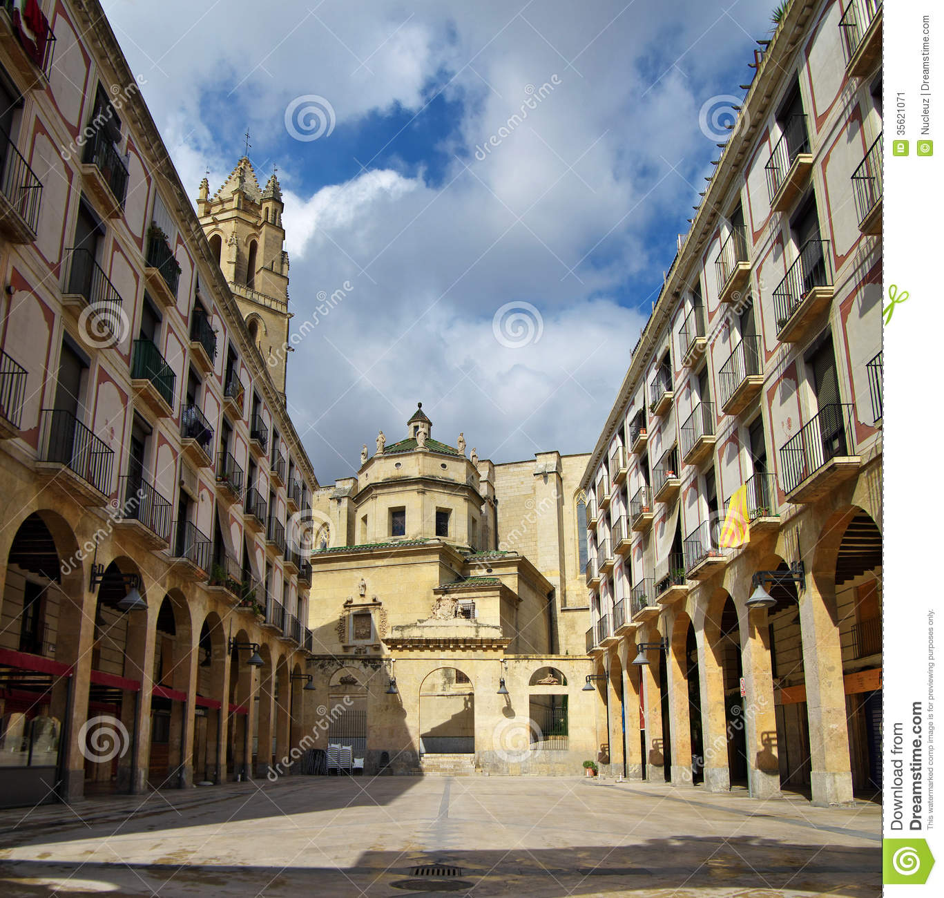 Reus Spain  City pictures : Rare cathedral placed at the center of Reus, Spain.