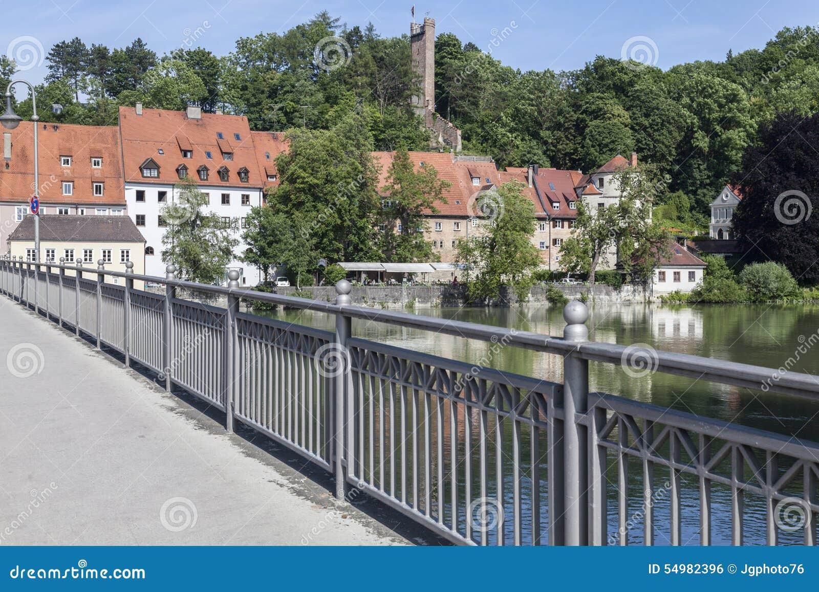 Catherine Bridge med floden Lech i Landsberg