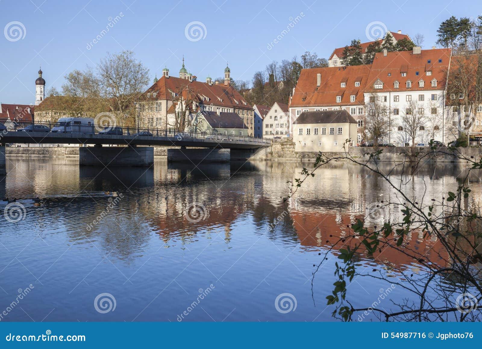 Catherine Bridge och floden Lech i Landsberg