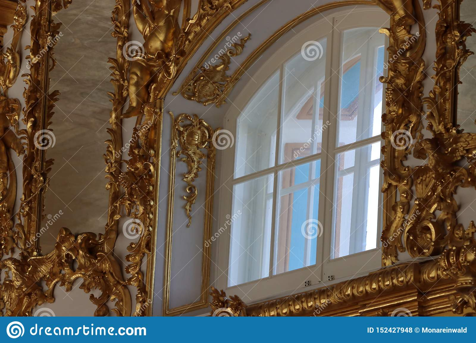 Catherine palast in st. petersburg in russia from inside with gold ornamentation.