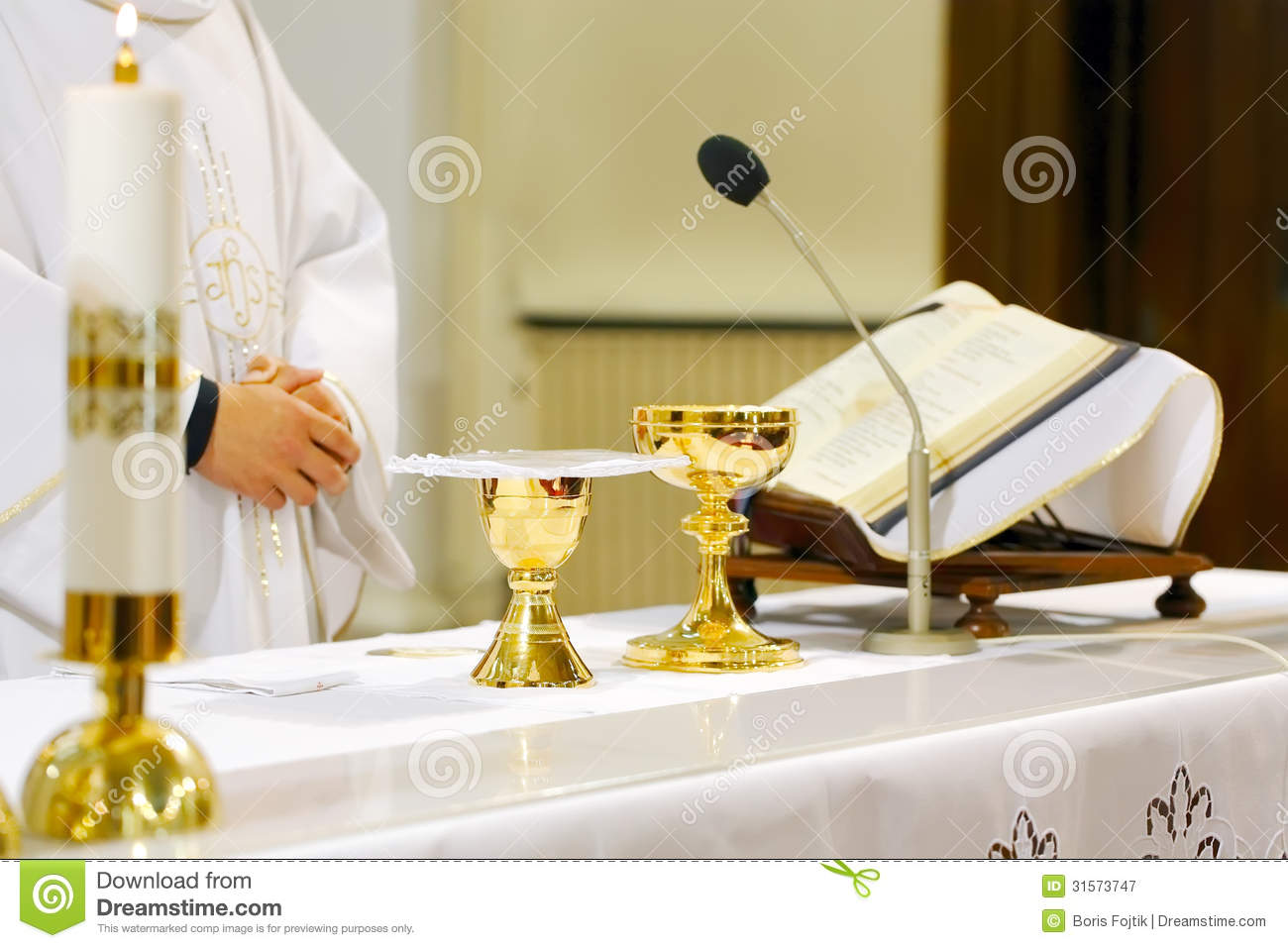Catholic Mass - holly sacrifice of blood and body of Jesus Christ in ... Catholic Chalice