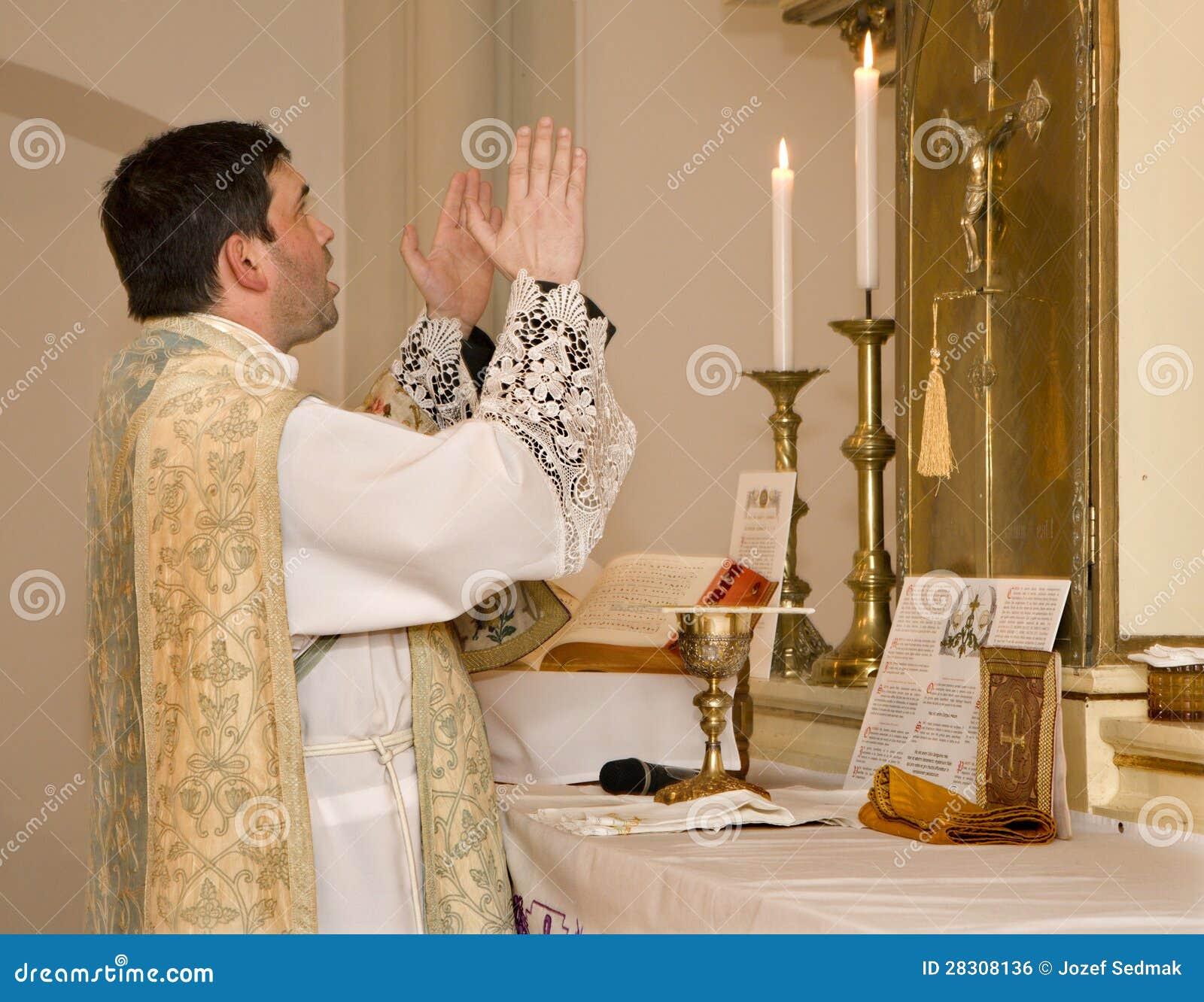 Catholic Priest At Tridentine Mass Stock Photo - Image of