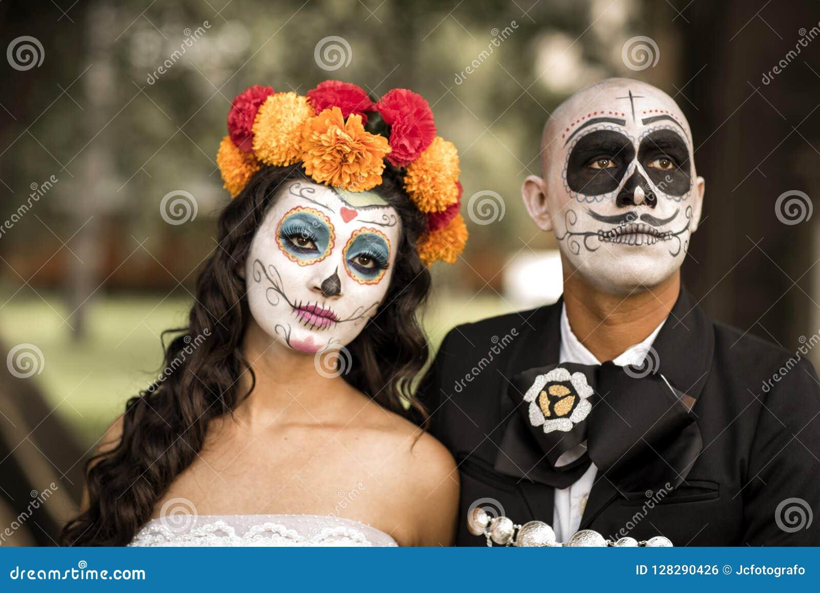 Catrin And Catrina In Cemetery Stock Photo Image Of Guadalajara