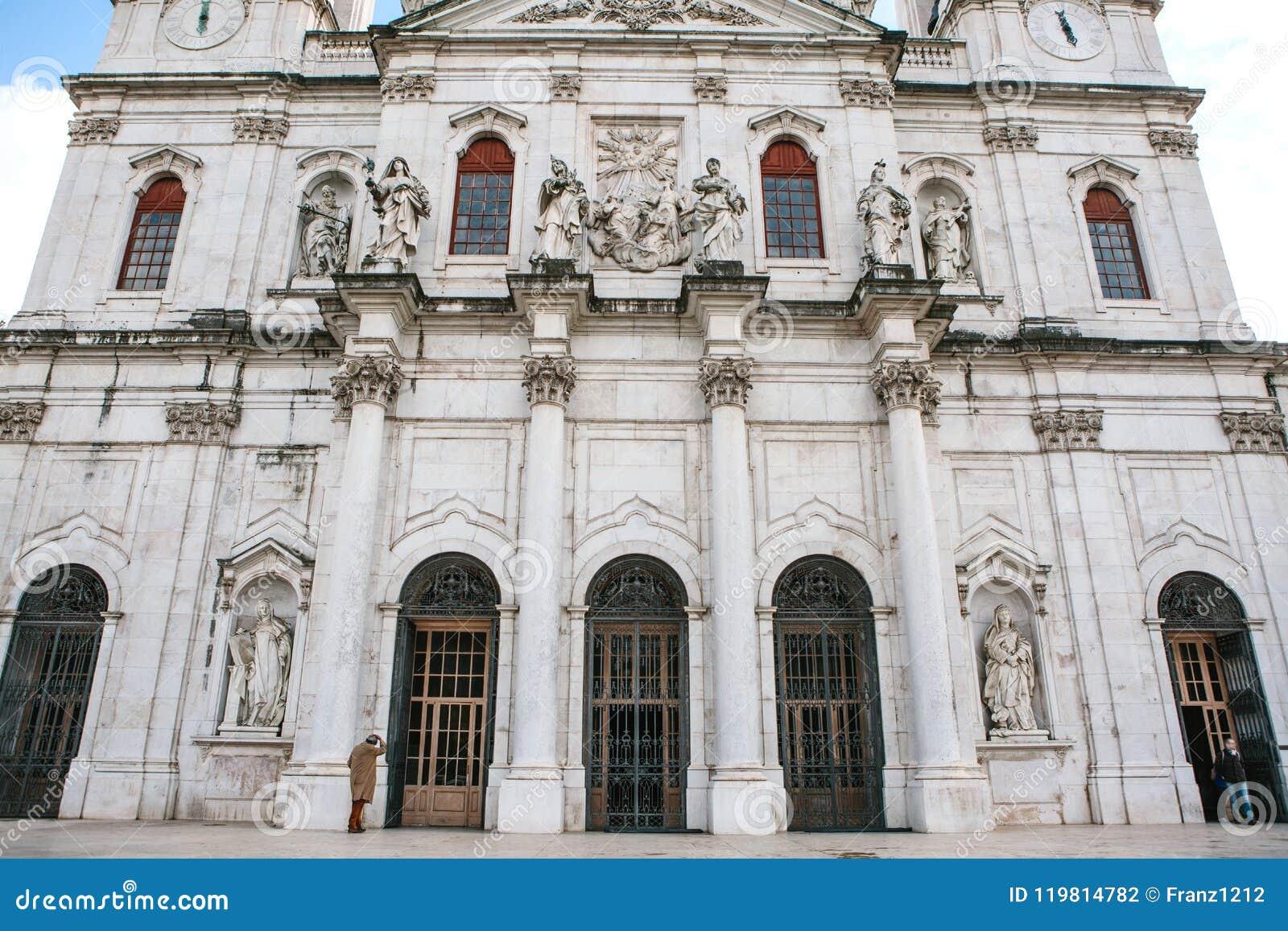 Cattedrale del da Estrela della basilica in Lissbon, Portogallo Cattedrale cattolica e Cristianità ad ovest Vista architettonica