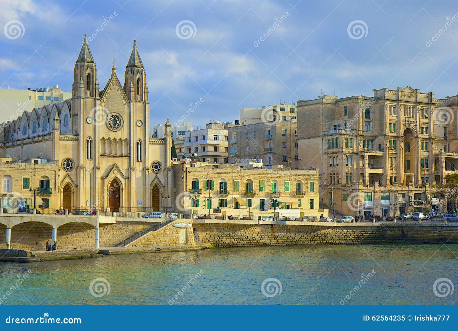 Cattedrale di Sliema e lungomare, Malta