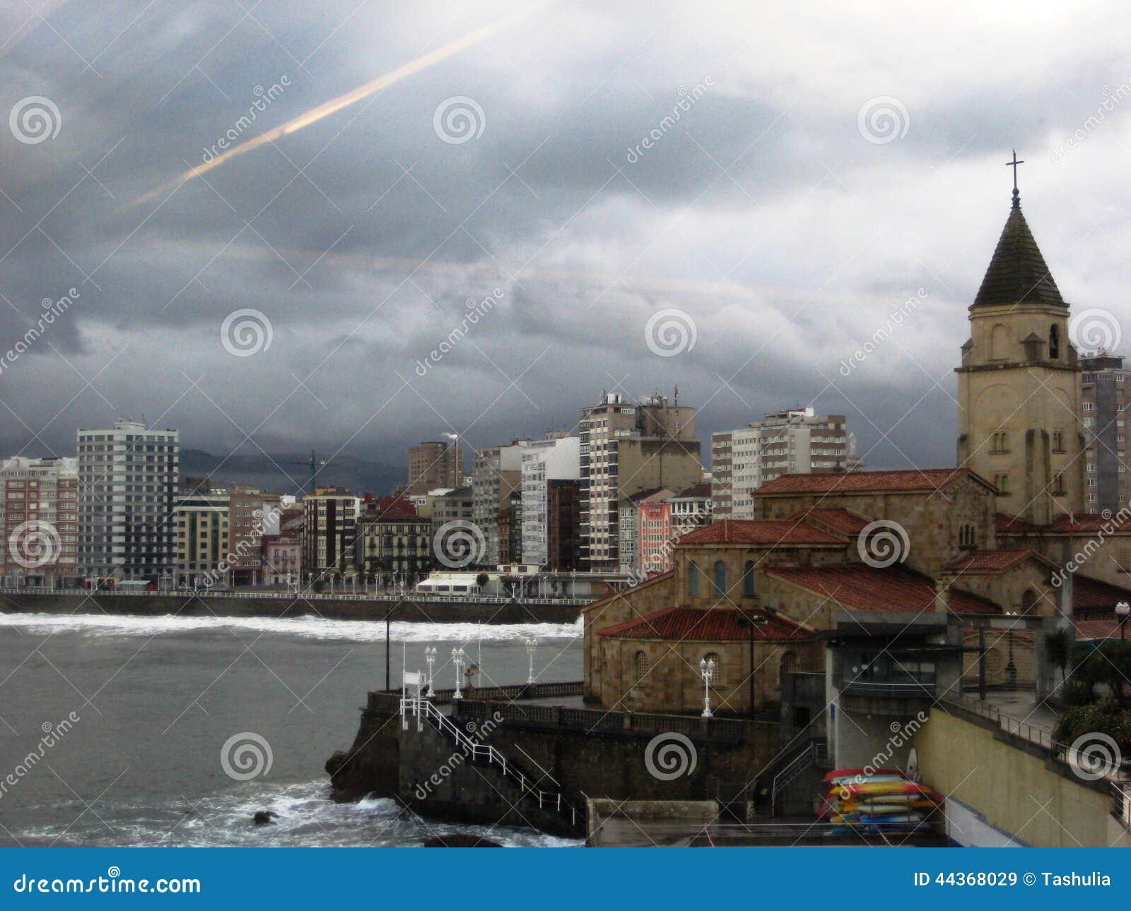 Cattedrale a Gijon, Spagna