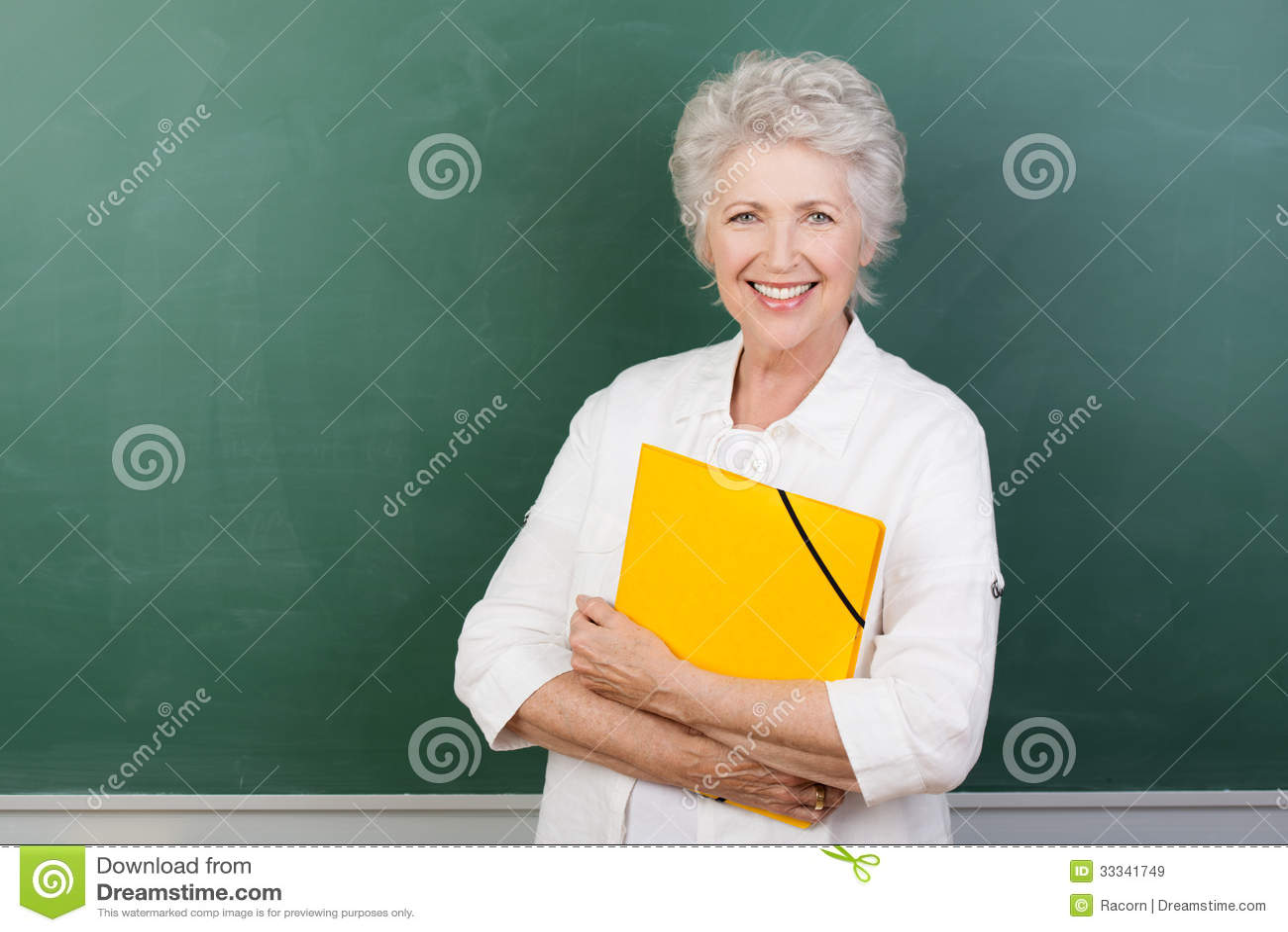 Caucaisna快乐的女性资深老师