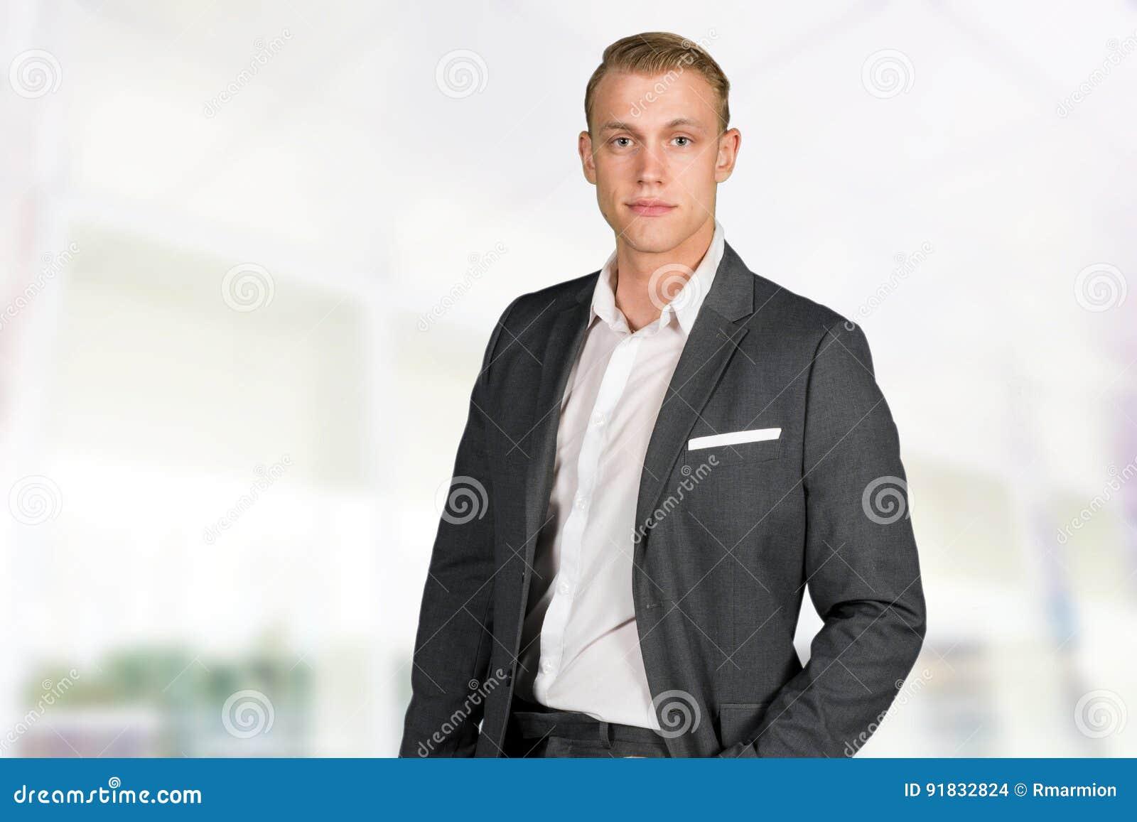 Caucasian affärsman At Work