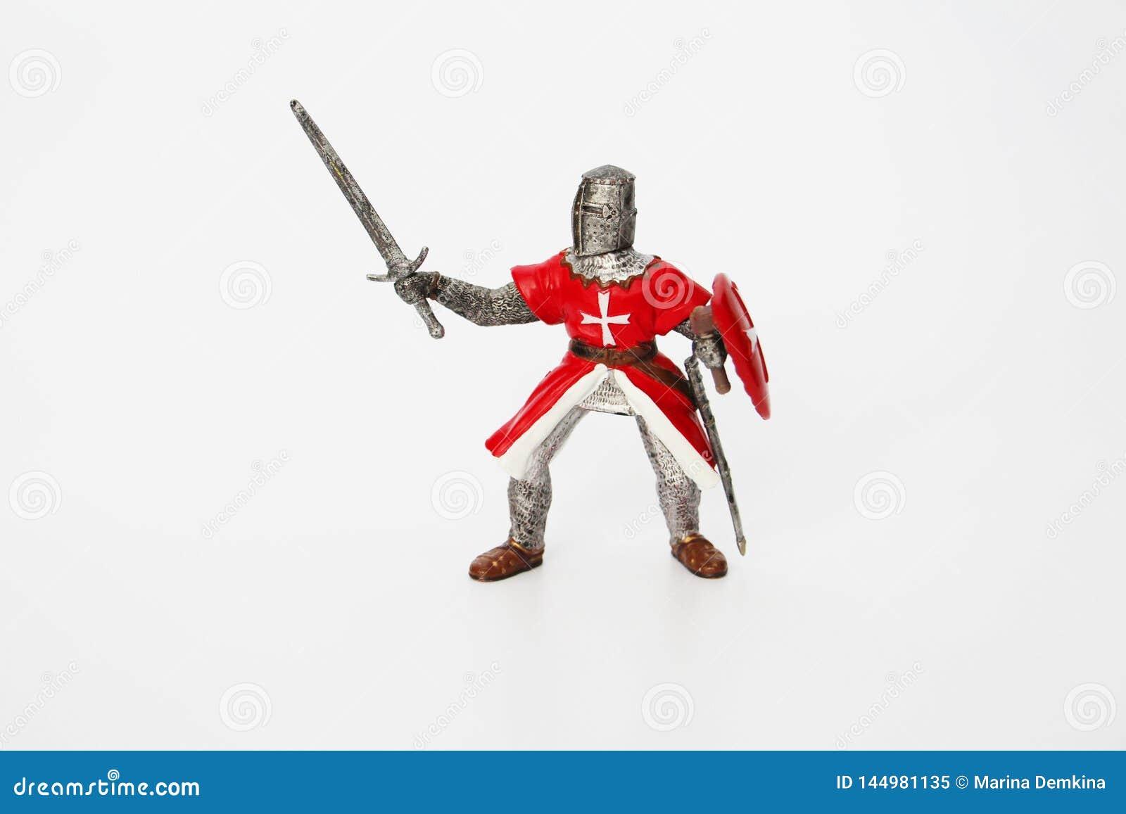 Cavaleiro malt?s em um fundo branco Brinquedo para crian?as