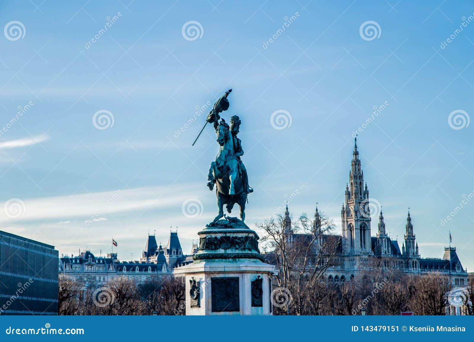 Cavaleiro na armadura em um cavalo