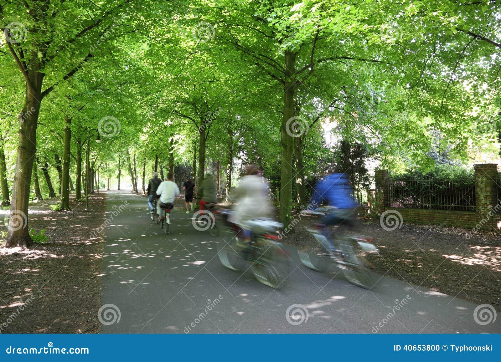 Cavaliers de bicyclette