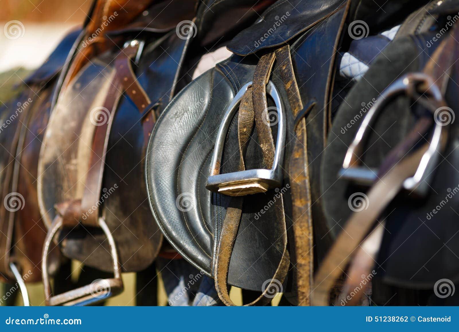 Cavallo da sella di cuoio
