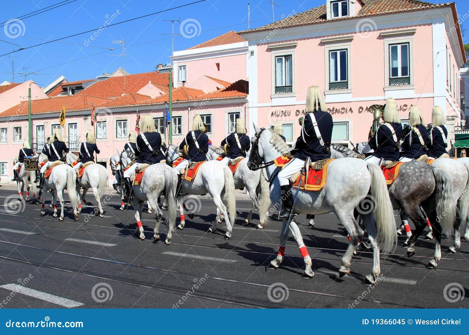 Cavalos de Lusitano da equitação do regimento de cavalaria, Belém