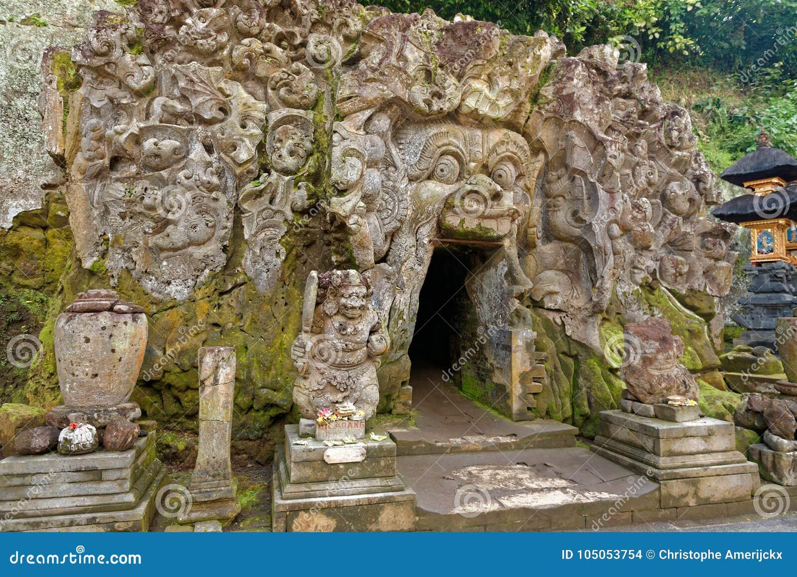 Caverna do gajah de Goa em Bali
