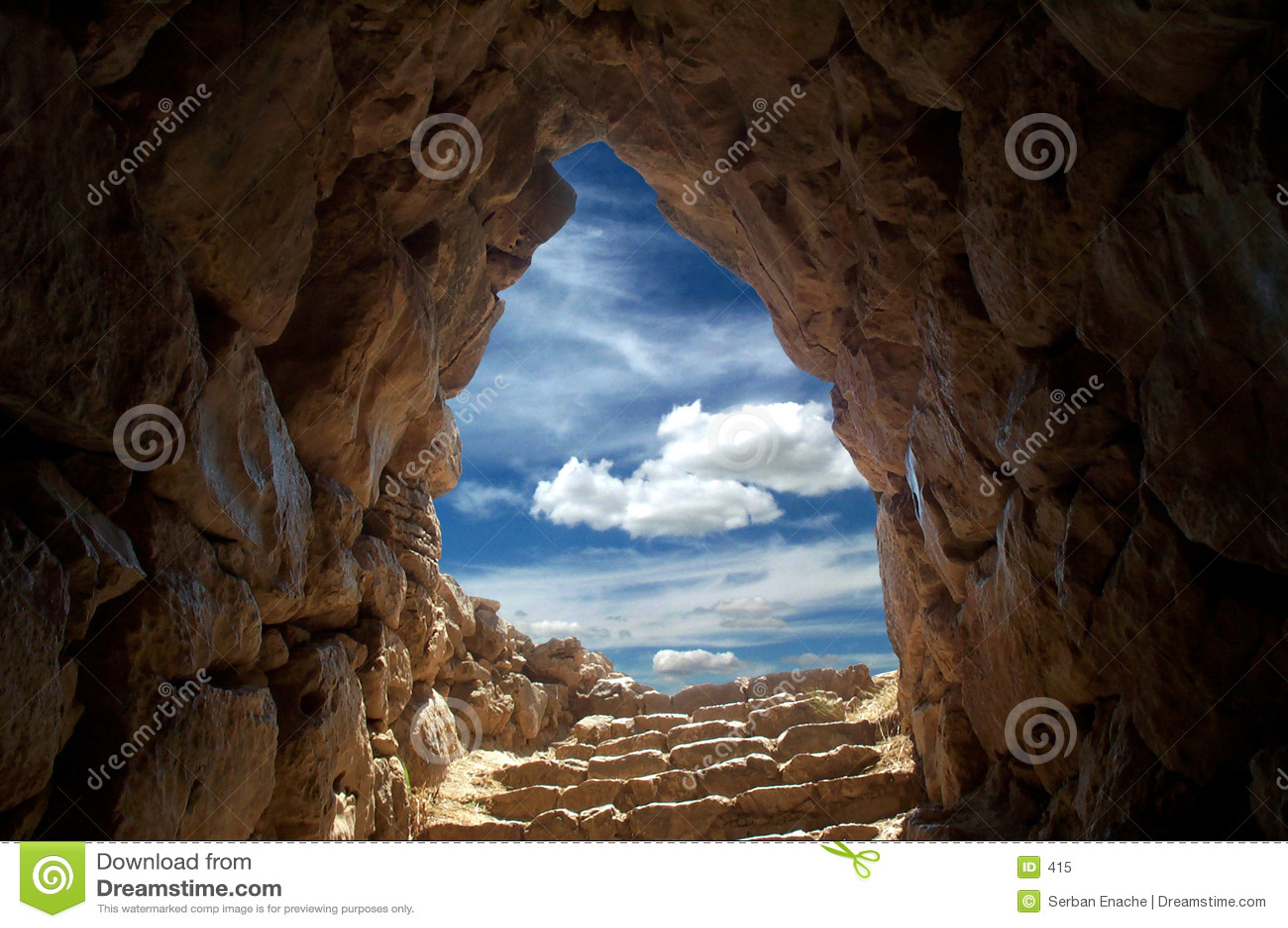 Caverna a Mycenae 2