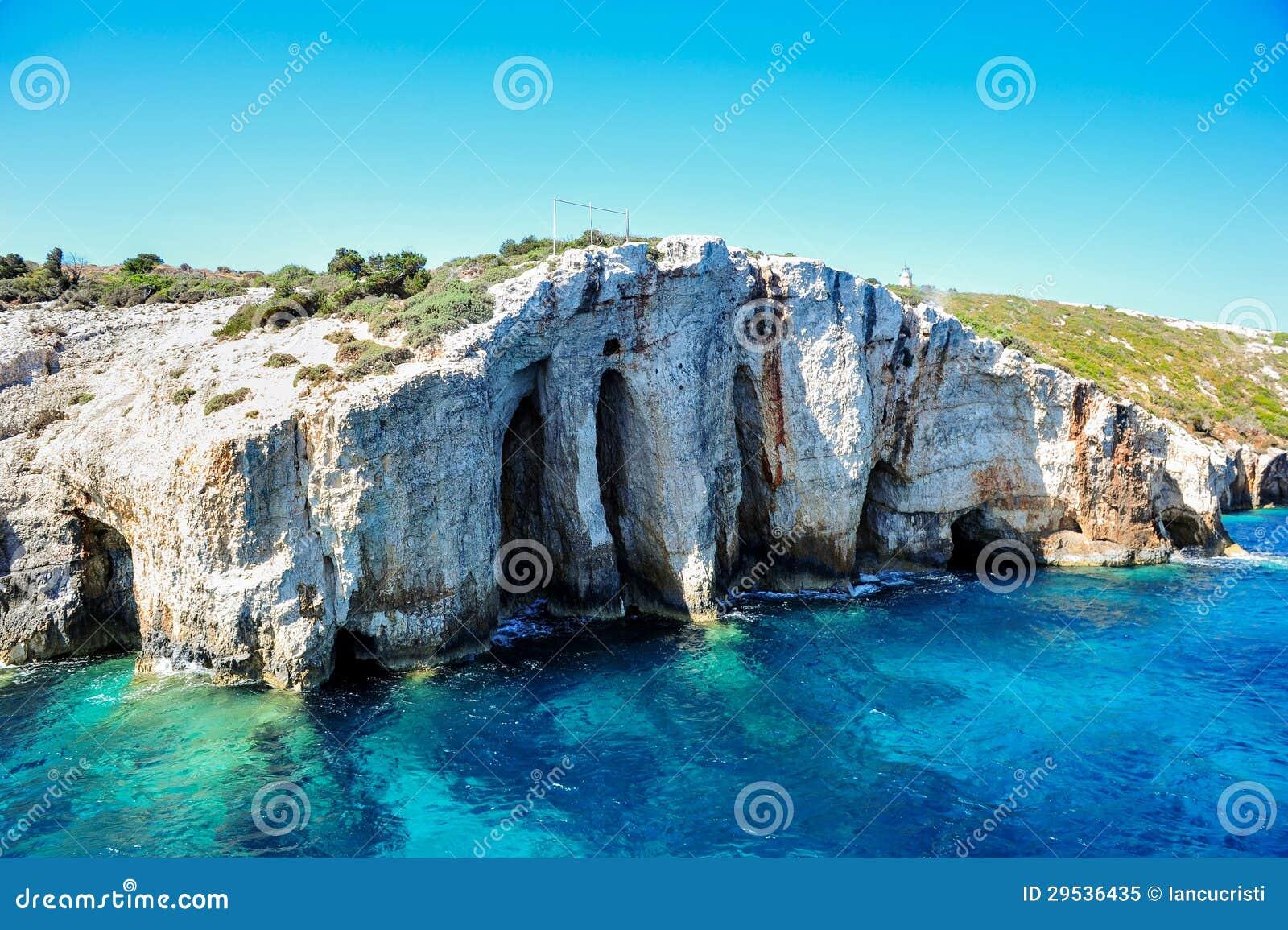 Cavernas azuis na ilha de Zakynthos, Greece