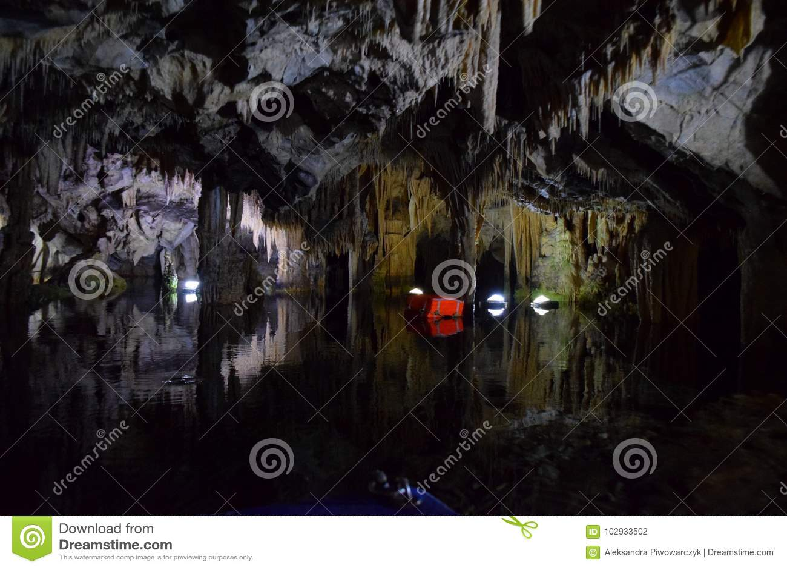 Caverne de Diros, Grèce