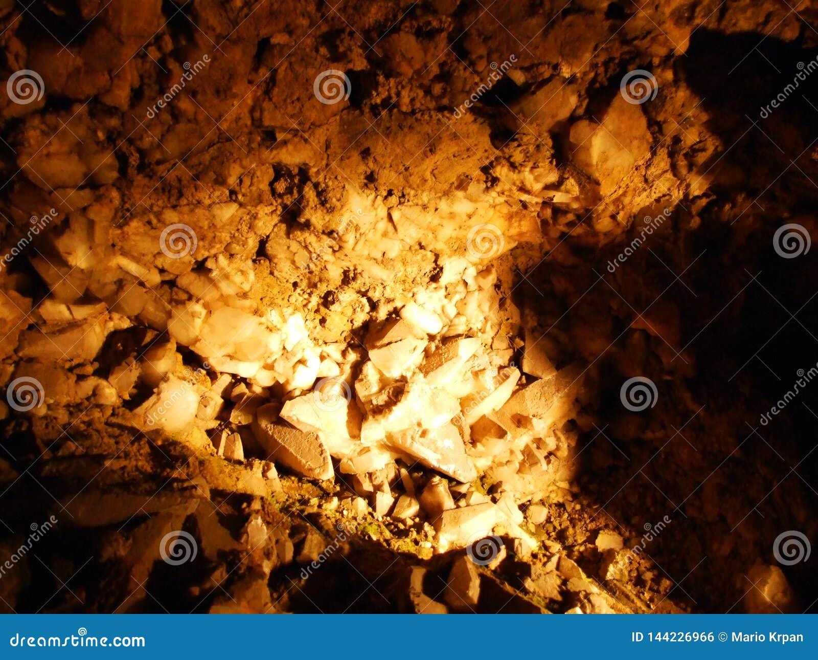 Caverne en cristal Kobelwald ou matrice Kristallhöhle Kobelwald Kristallhohle Kobelwald ou Kristallhoehle Kobelwald