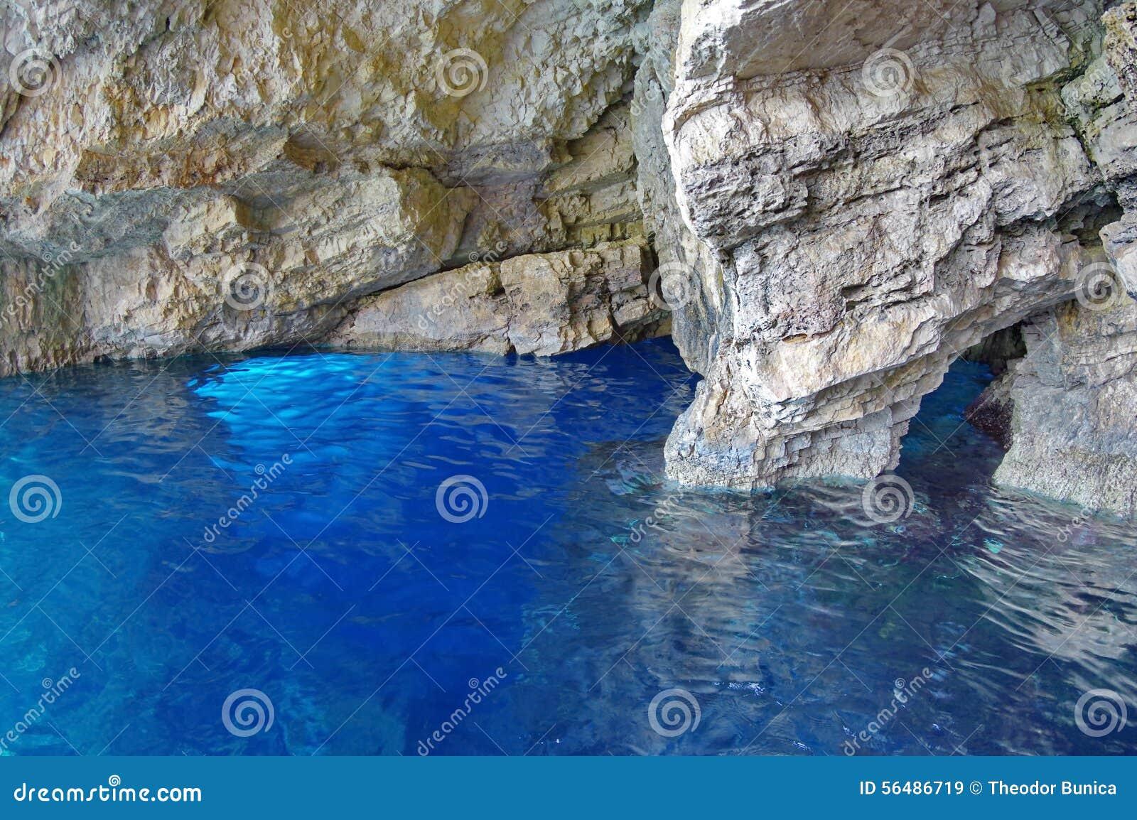Cavernes bleues dans Zakynthos, Grèce