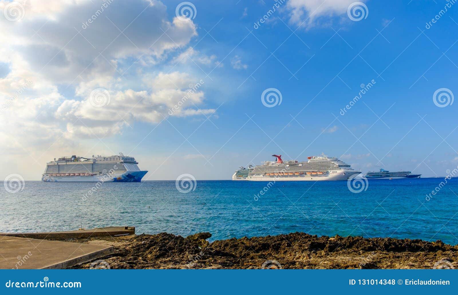 Cayman Islands-Cruise Ships