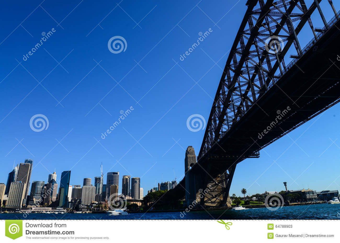 CBD e Sydney Harbour Bridge dal traghetto