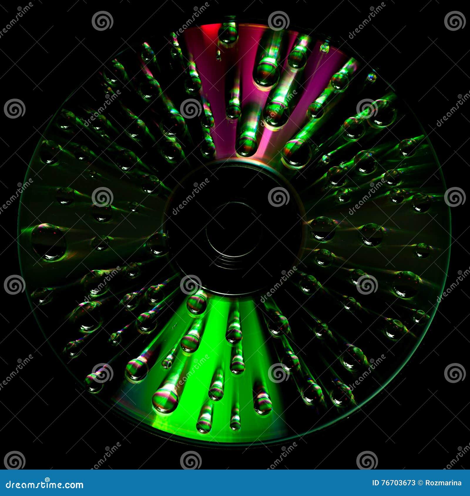 CD diskett med vattendroppar